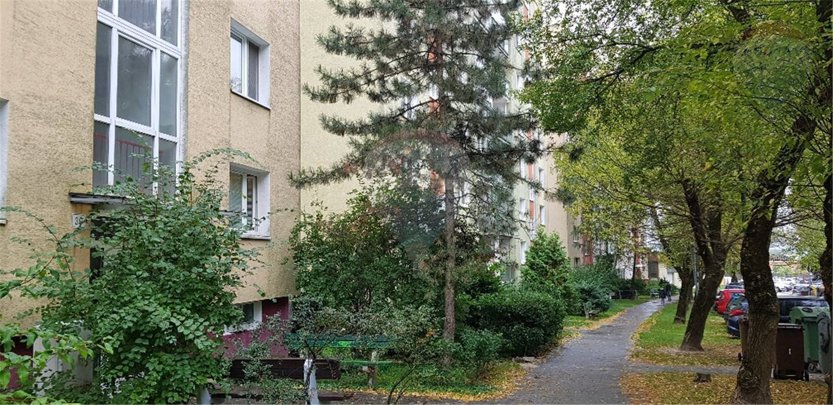 Predaj 1-izb. byt - 43 m2 - Lamač - Studenohorská ul.