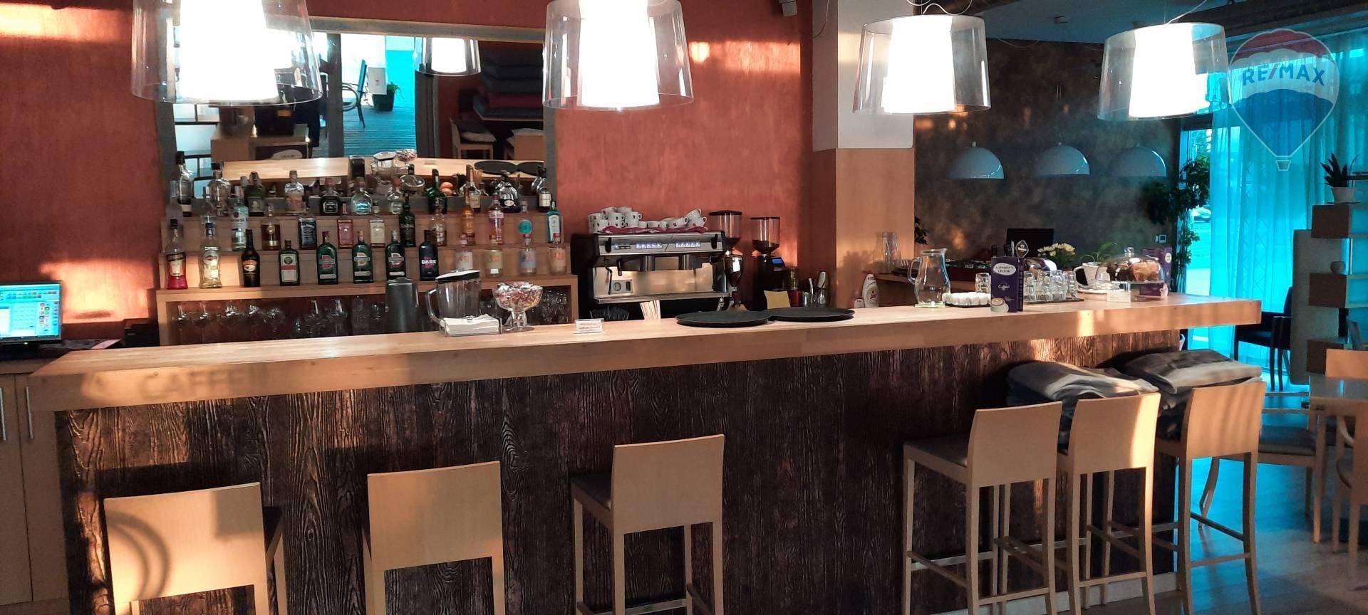 Zabehnutá kaviareň v centre mesta Liptovský Mikuláš