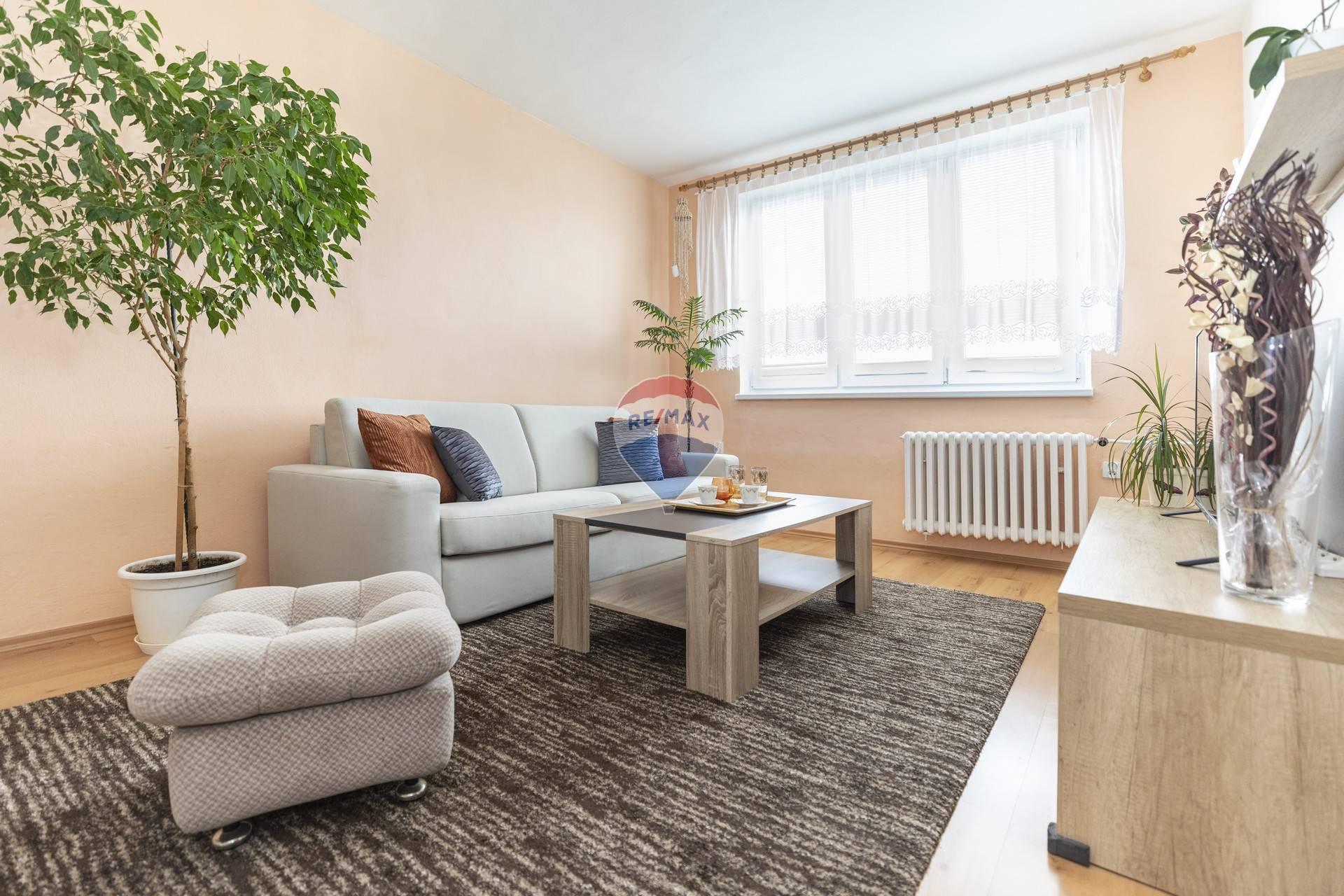 *REZERVOVANÉ* Predaj 3-izbového bytu v tichej lokalite na skok od centra