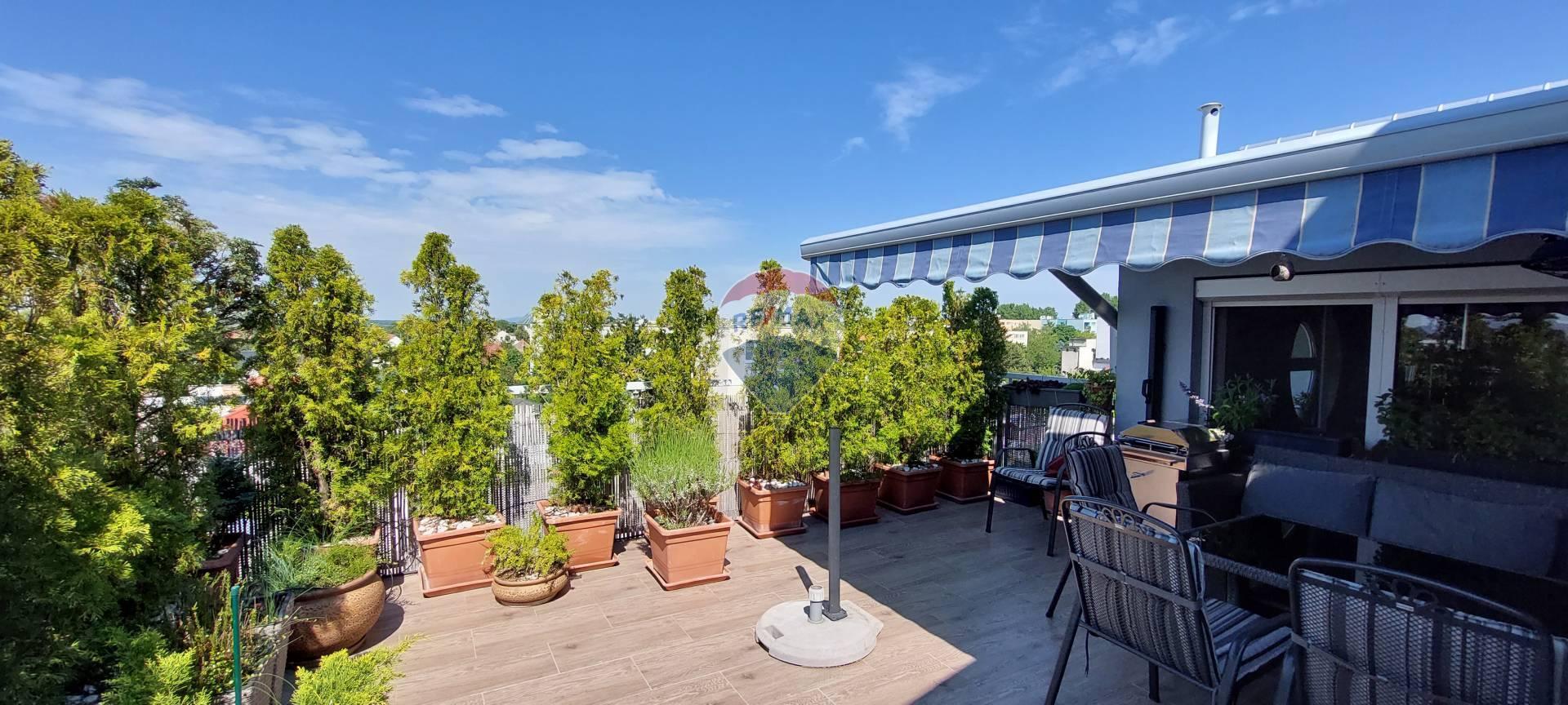 Na predaj 5 izbový mezonetový byt s terasou v Dunajskej Lužnej