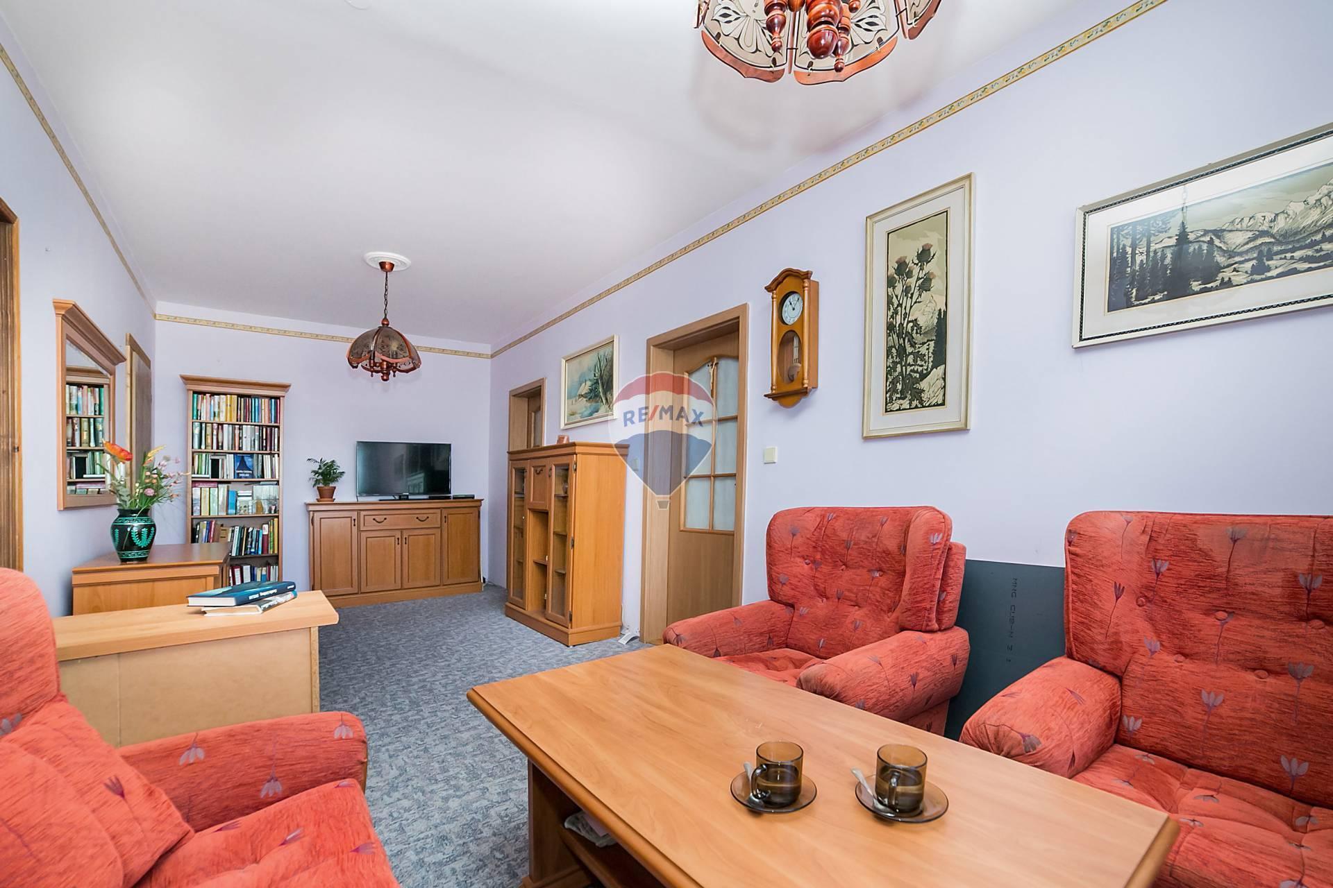 """""""REZERVOVANÉ""""Predaj 3-izbového bytu s pekným výhľadom v Dúbravke"""
