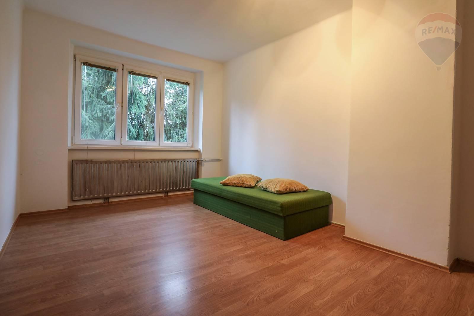 Prenájom domu 240 m2, Šamorín - Na prenájom priestranný RD - Šamorín