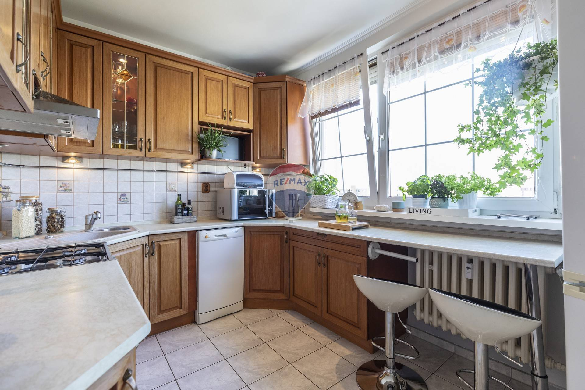 Na predaj 3i byt ( 66m2) s možnosťou odkúpenia GARÁŽE - Estónska ulica - Bratislava