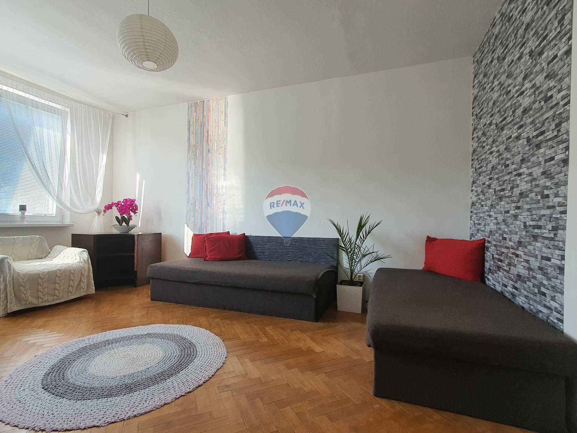 Predaj priestranného 4 izbového bytu v Bratislave