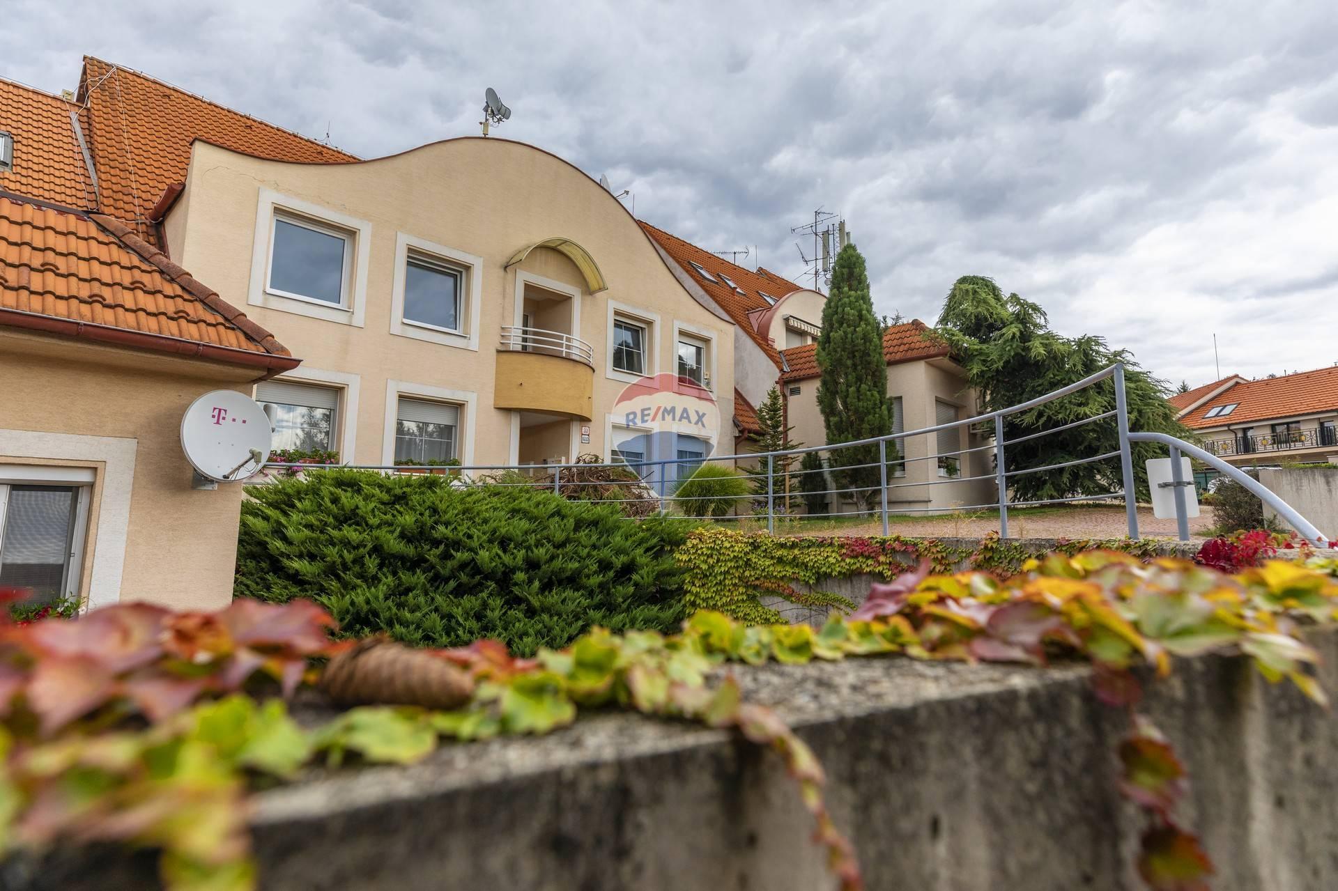 Predaj bytu (5 izbový a väčší) 146 m2, Bratislava - Záhorská Bystrica - bytový dom