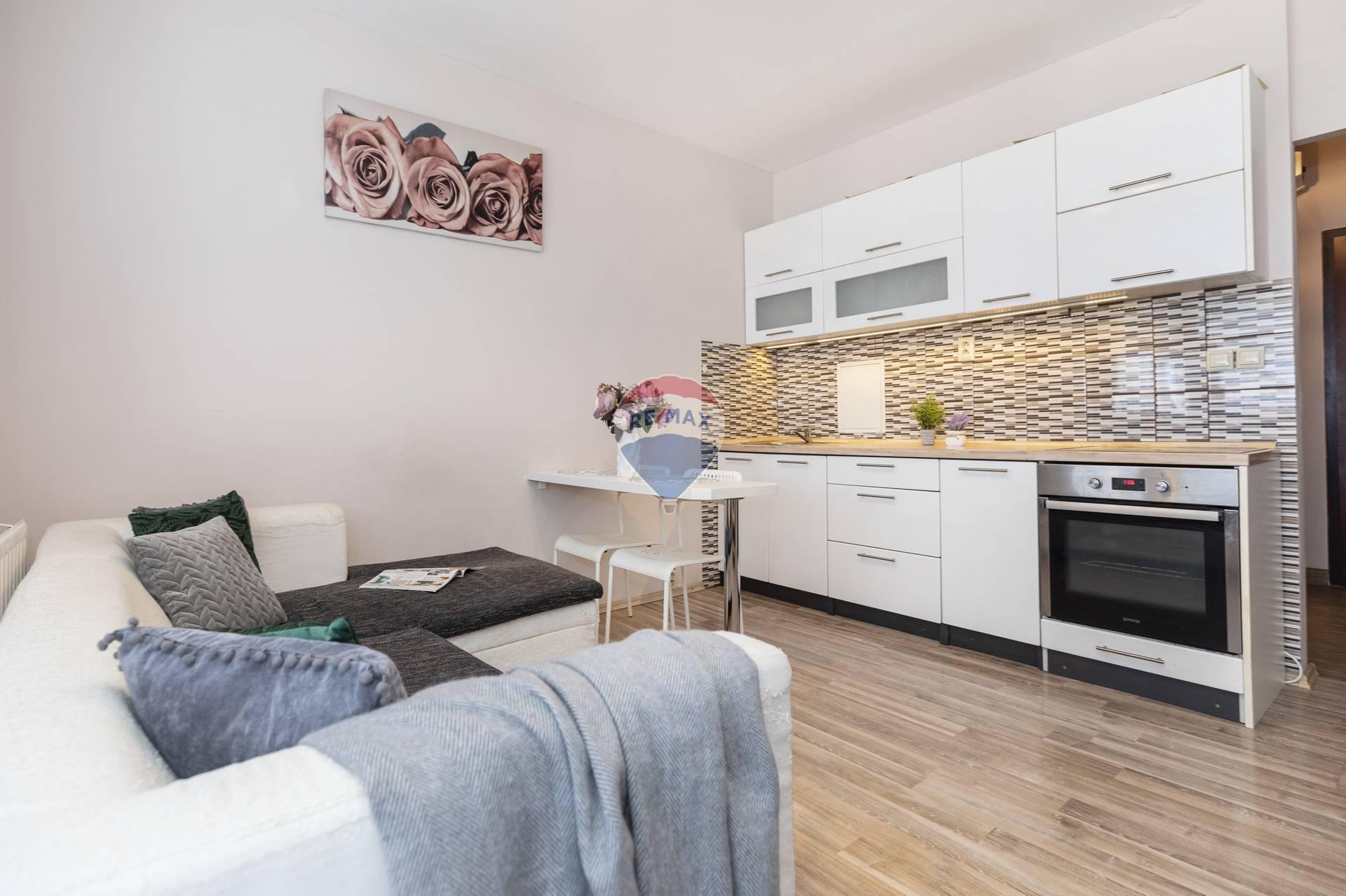 Prenájom bytu (2 izbový) 38 m2, Bratislava - Petržalka -