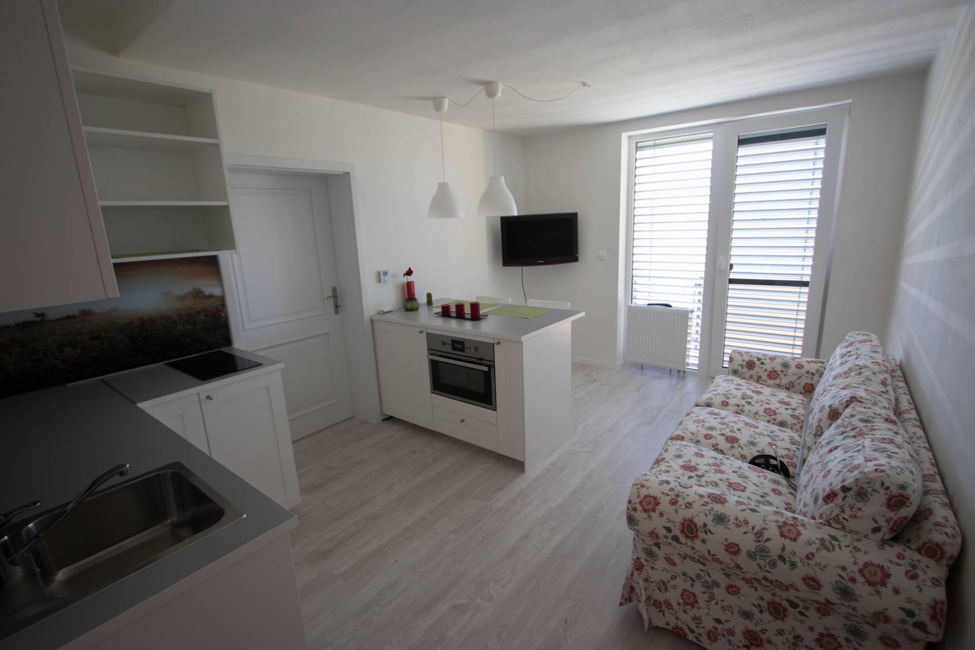 Prenájom bytu (2 izbový) 37 m2, Šamorín -