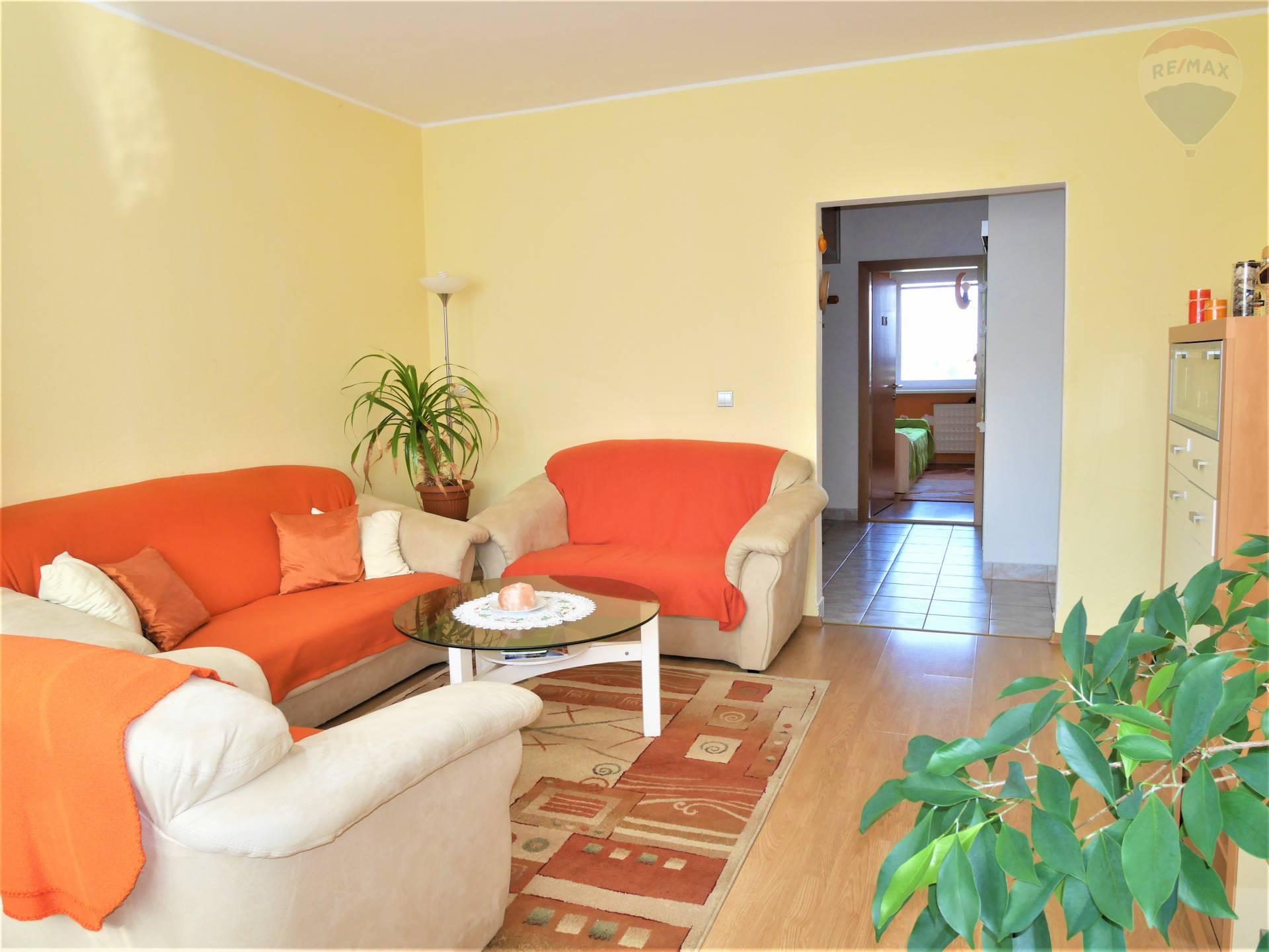 REZERVOVANÝ-3 izbový byt NA PRENÁJOM, 70m2, Zapotôčky