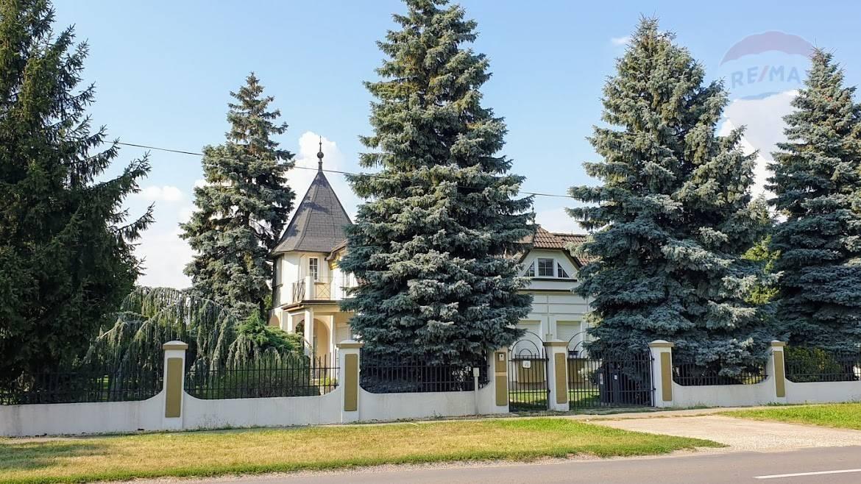 PREDÁM VILU v Alžbetinom dvore/časť Miloslavov pre 3 rodiny