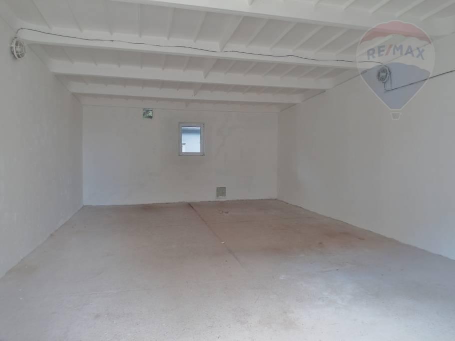 Prenájom komerčného priestoru 60 m2, Prievidza -