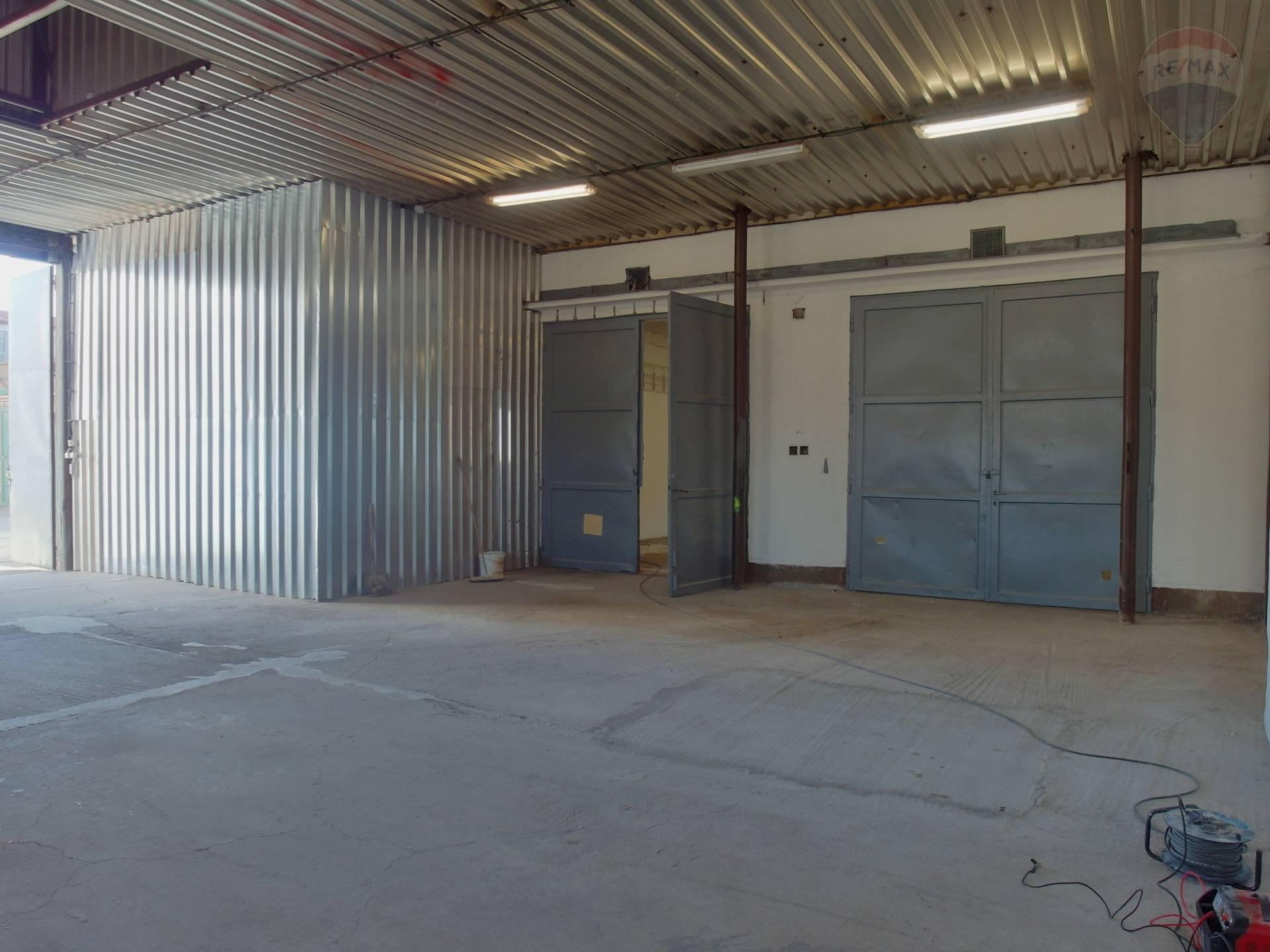 Prenájom komerčného priestoru 235 m2, Prievidza -