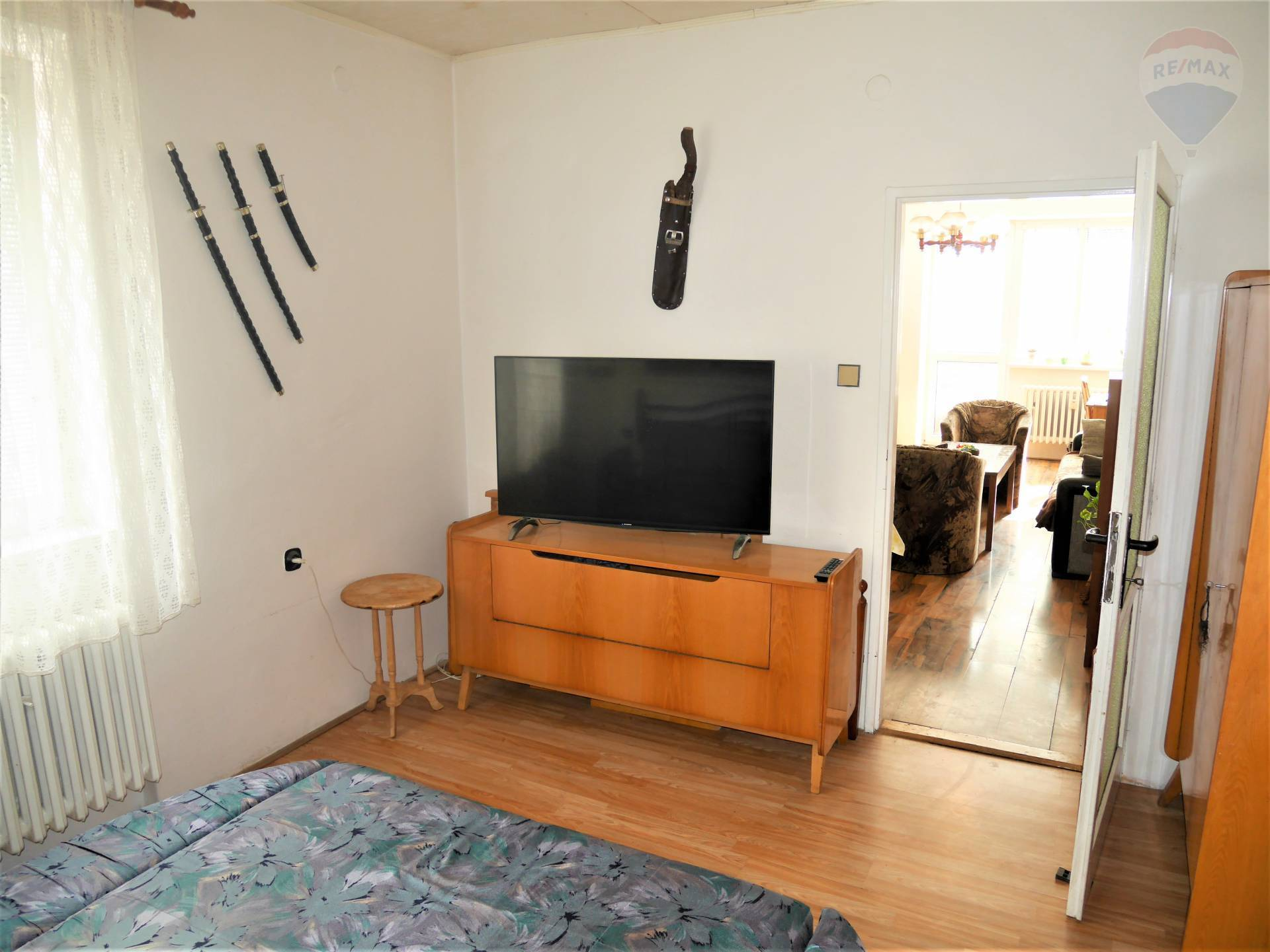 NOVINKA!!! 3 izbový byt, 70m2, balkón, centrum ul. M.Mišíka, Prievidza