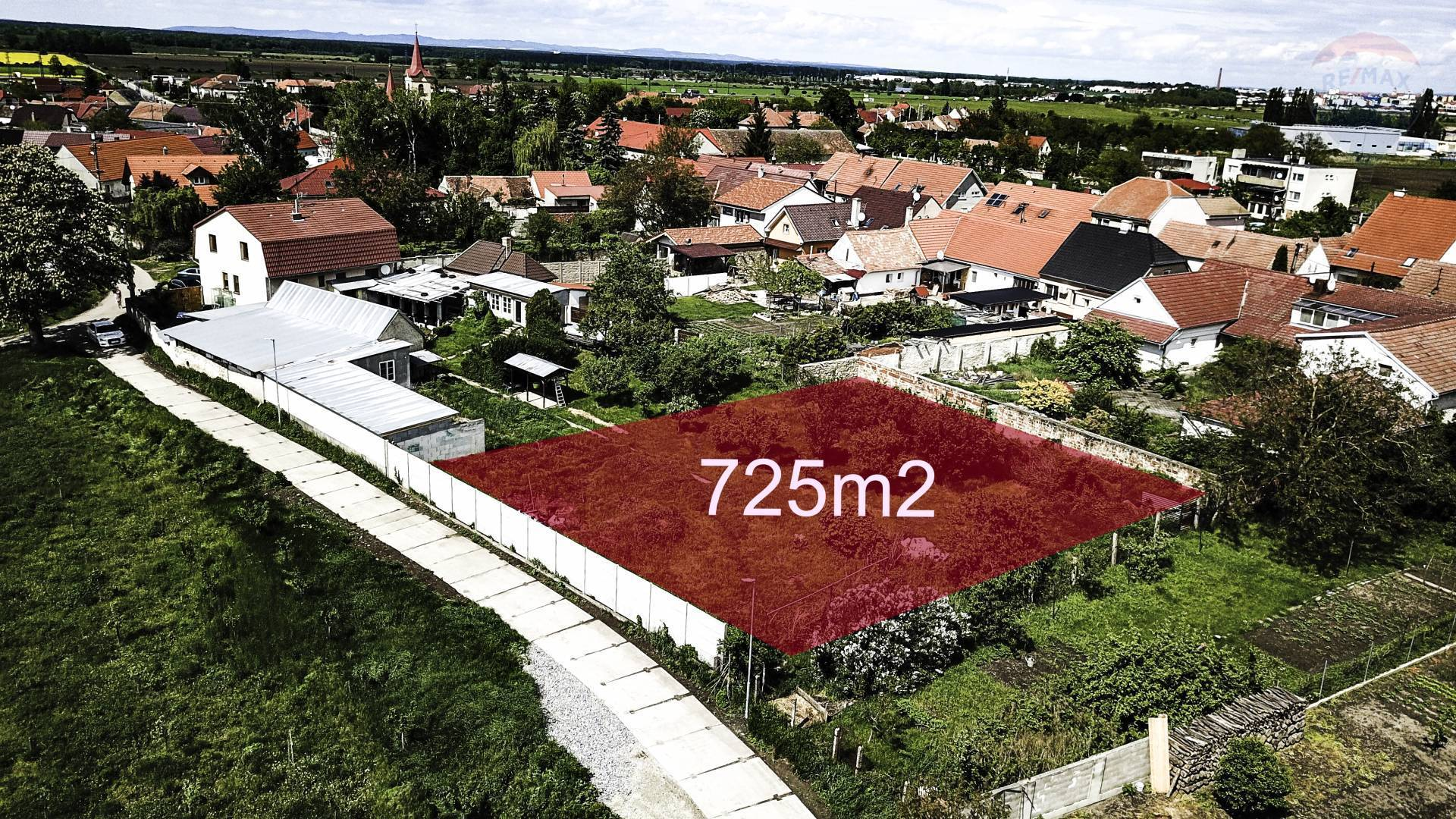 Pozemok 725 M2 Vrádište