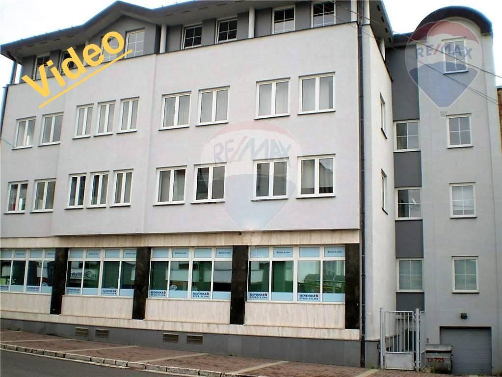 Nájom: Posledná voľná kancelária, na lukratívnom mieste v Brezne