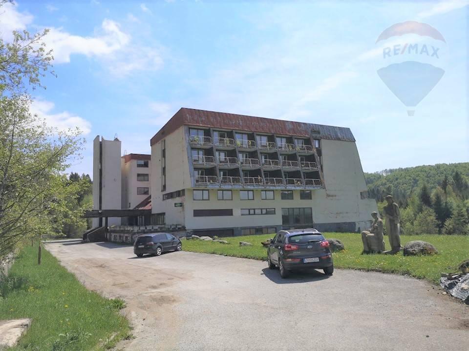 REZERVOVANÝ: Hotel JUNIOR v rekreačnej oblasti Krpačovo, južná časť predhoria Nízkych Tatier