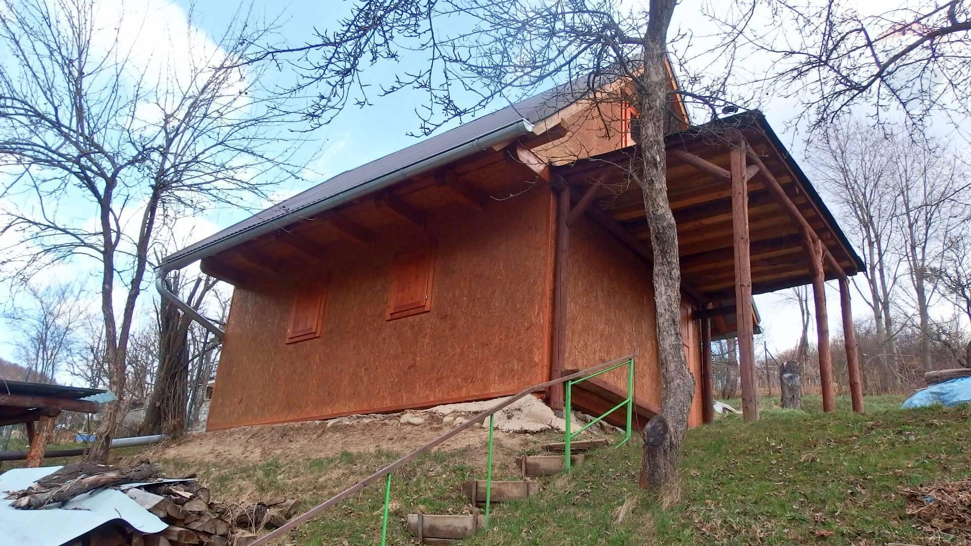 Predaj: Záhradná s chatka s krásnym výhľadom, Brezno