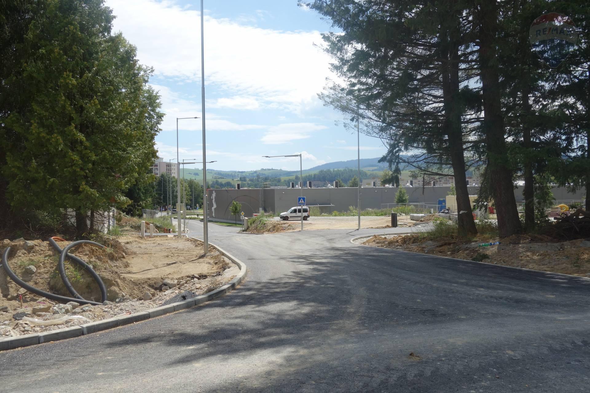 """Na predaj: Stavebné pozemky pre občiansku vybavenosť  """"Kasárne"""" Brezno"""
