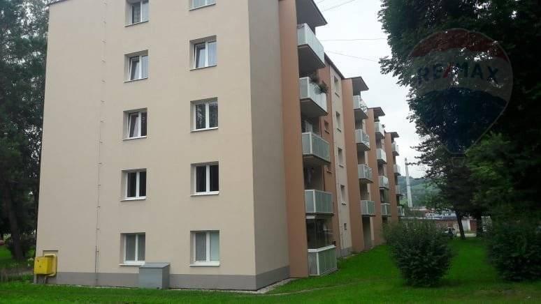 Predaj: 3-izbový byt s balkónom, Brezno