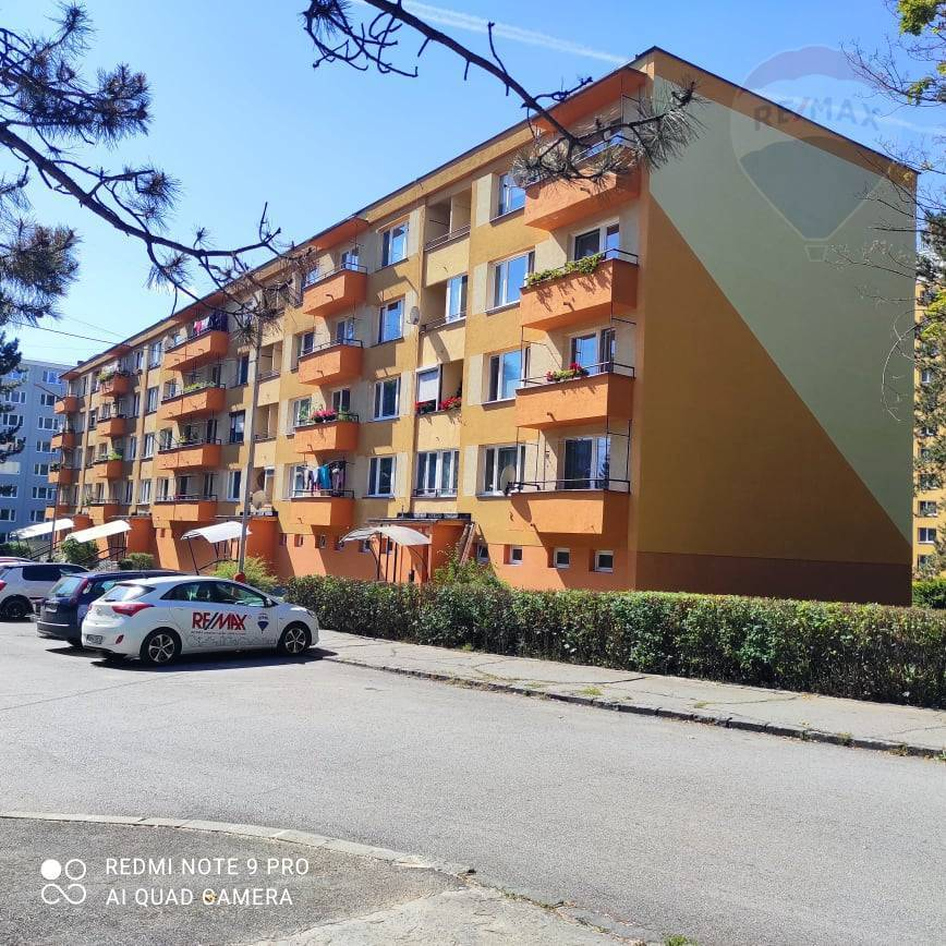 Predaj 3,5 izbového bytu v Brezne