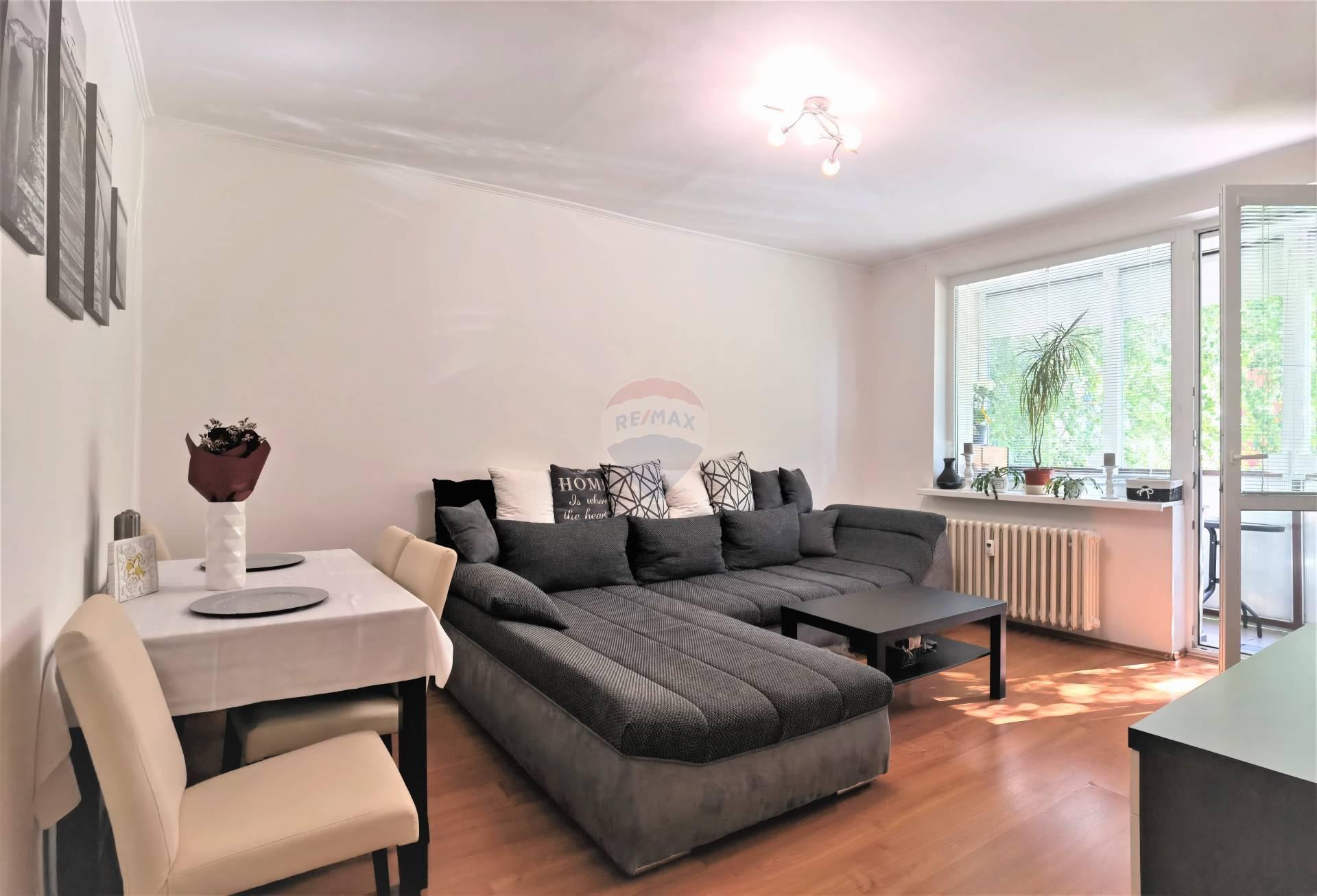 REZERVOVANÉ =RE/MAX= Na predaj 3 izbový zrekonštruovaný byt, Nerudova