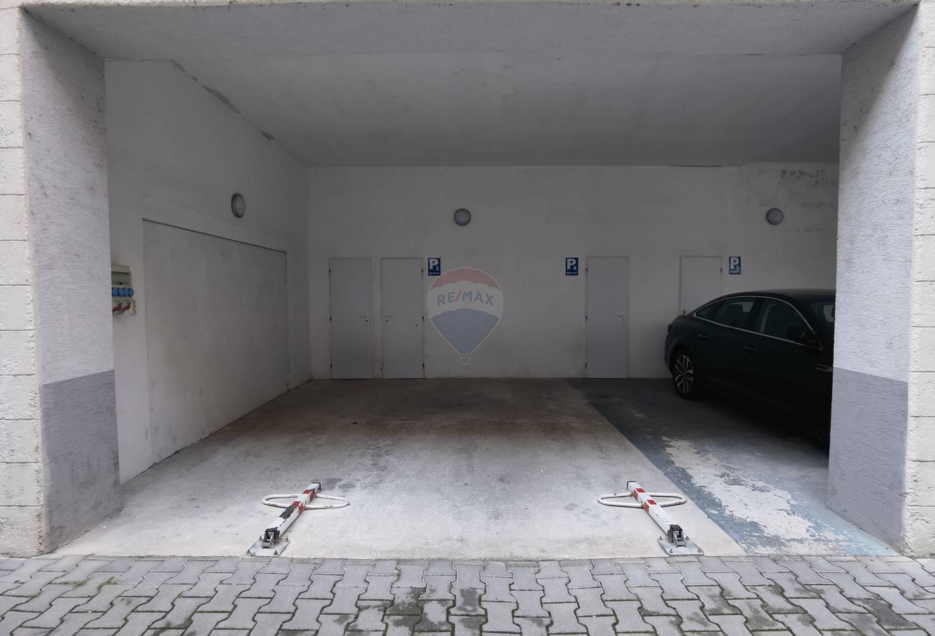 Prenájom garáže 30 m2, Trnava -