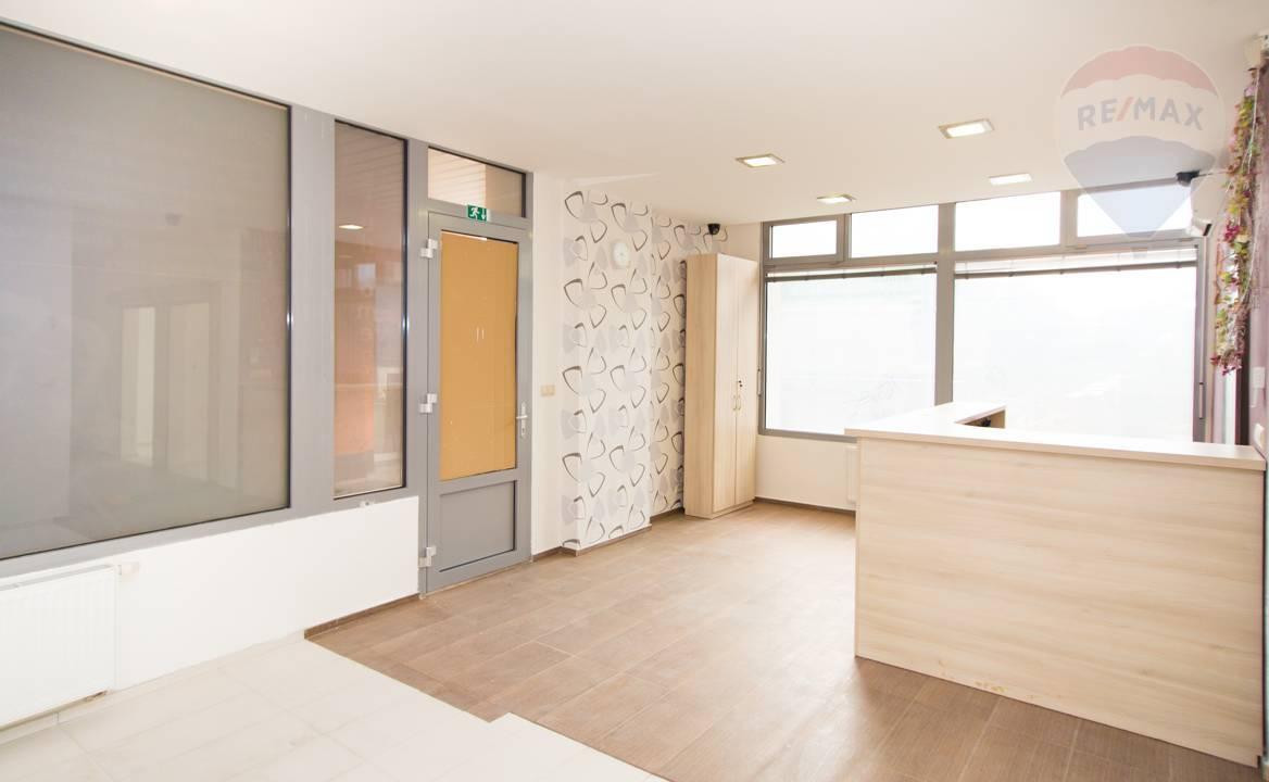 Predaj komerčného priestoru 62 m2, Bratislava - Petržalka -