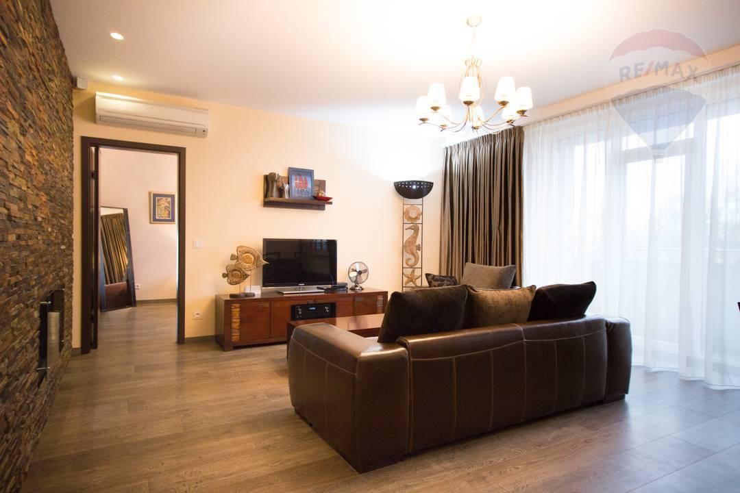 Na prenájom nadštandardný 2izbový byt 99,5m2, Vajanského nábrežie, Staré mesto, Bratislava I.