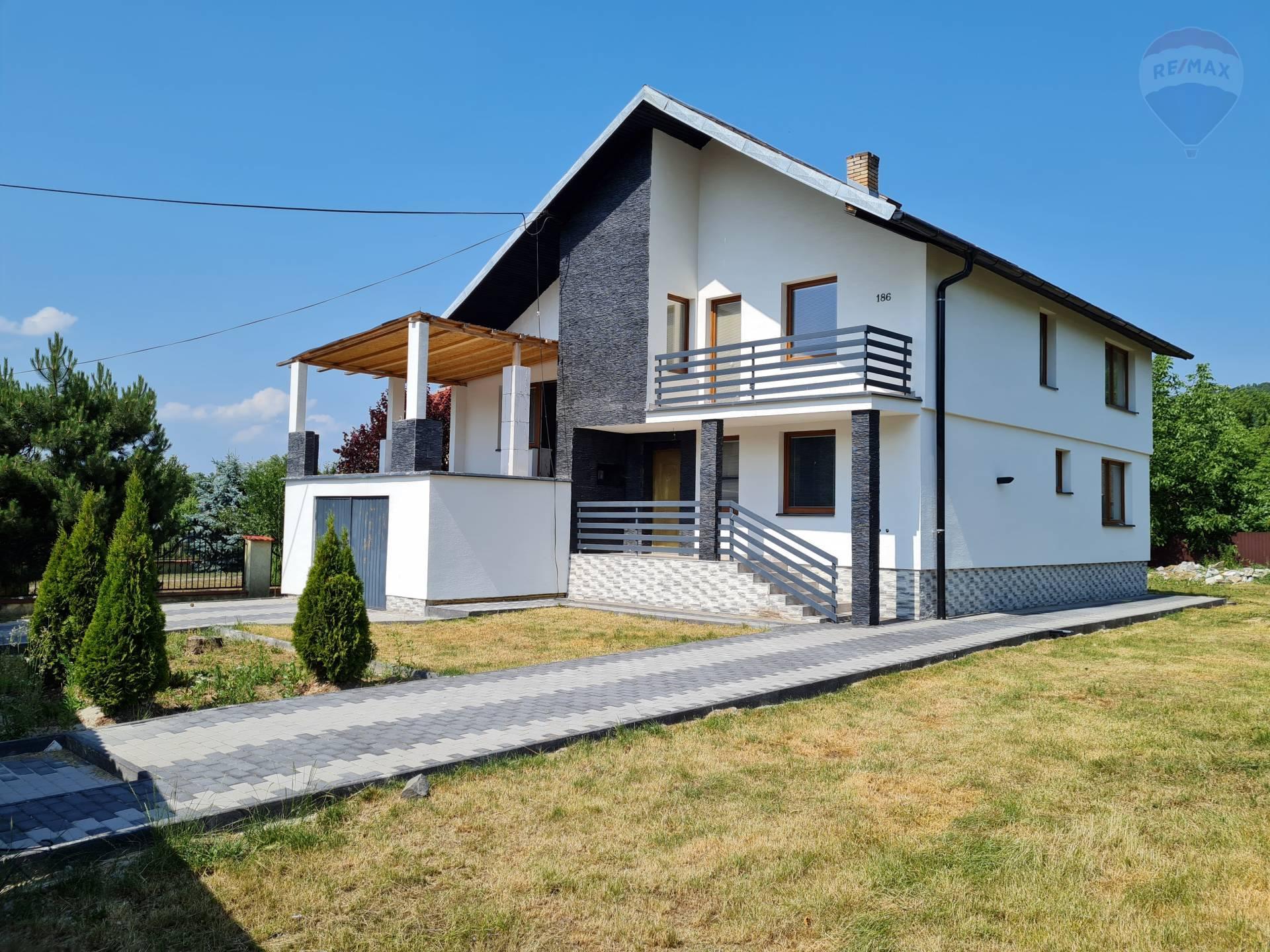 Rodinný dom v obci Kamienka pri Humennom, na predaj.