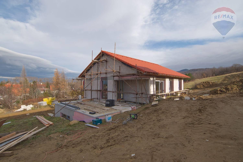 Rodinný dom s garážou na predaj Kuchyňa, okres Malacky