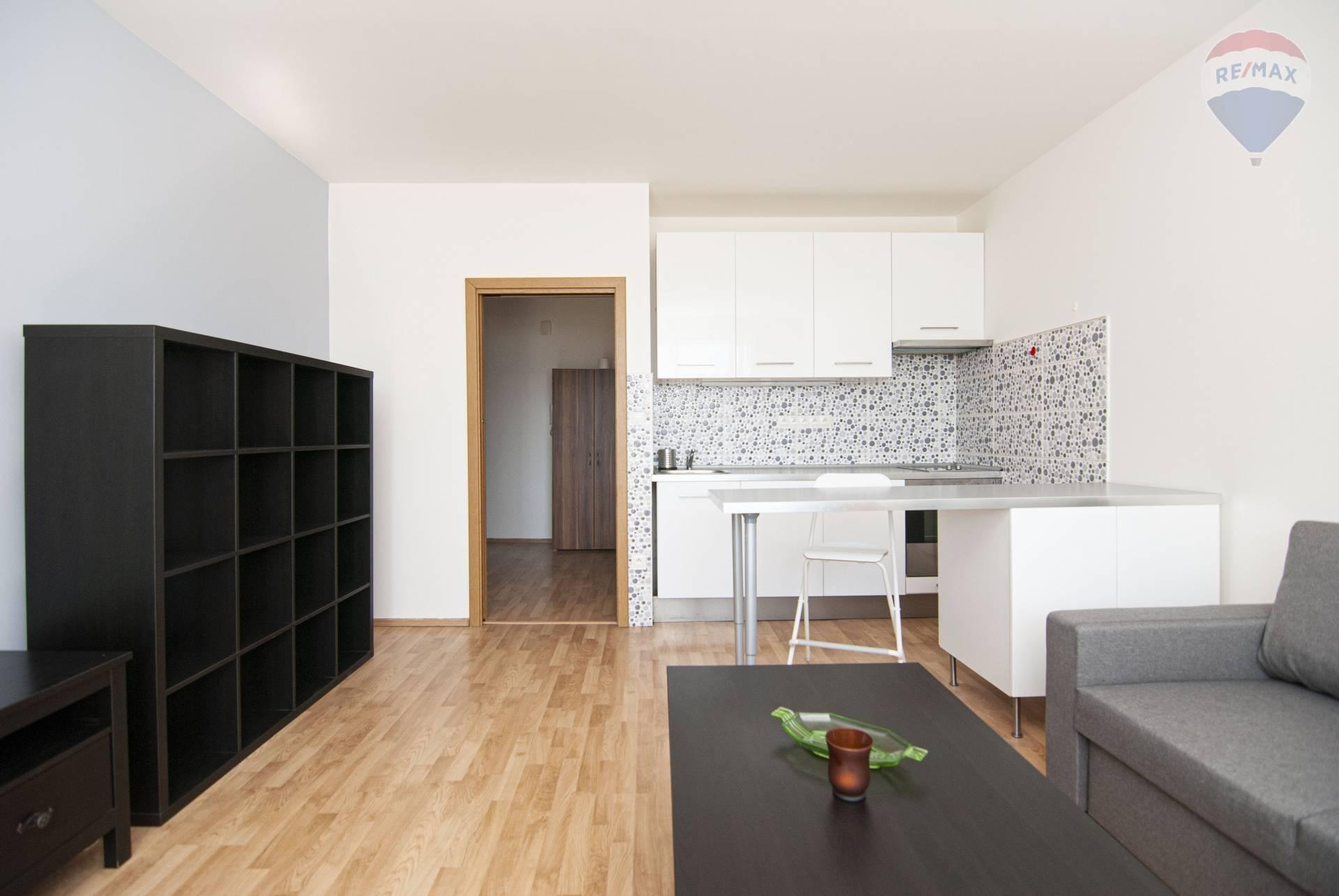 Prenájom bytu (garsónka) 30 m2, Bratislava - Petržalka -