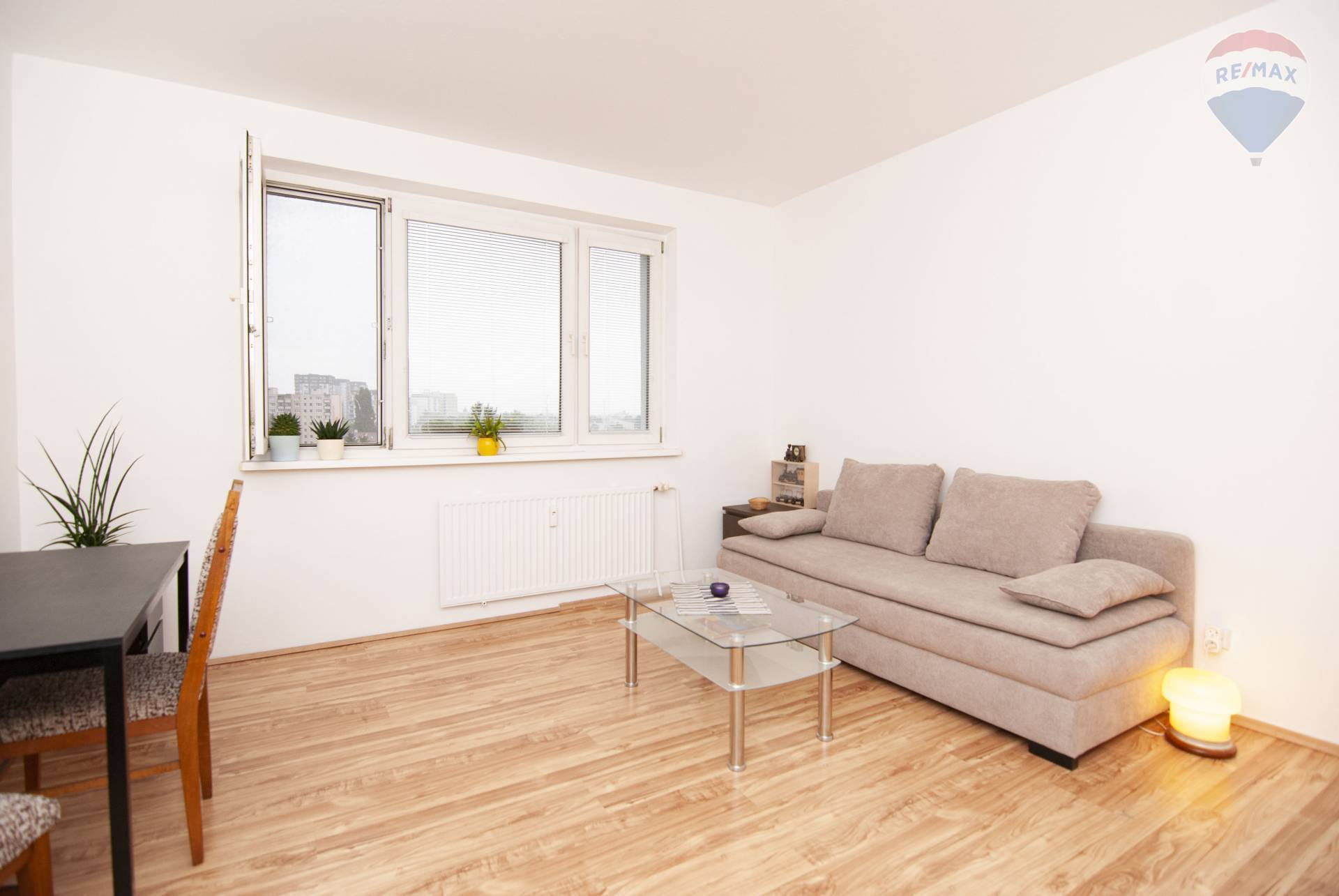 *NOVINKA* Na predaj 2 izbový byt s loggiou vo výbornej lokalite
