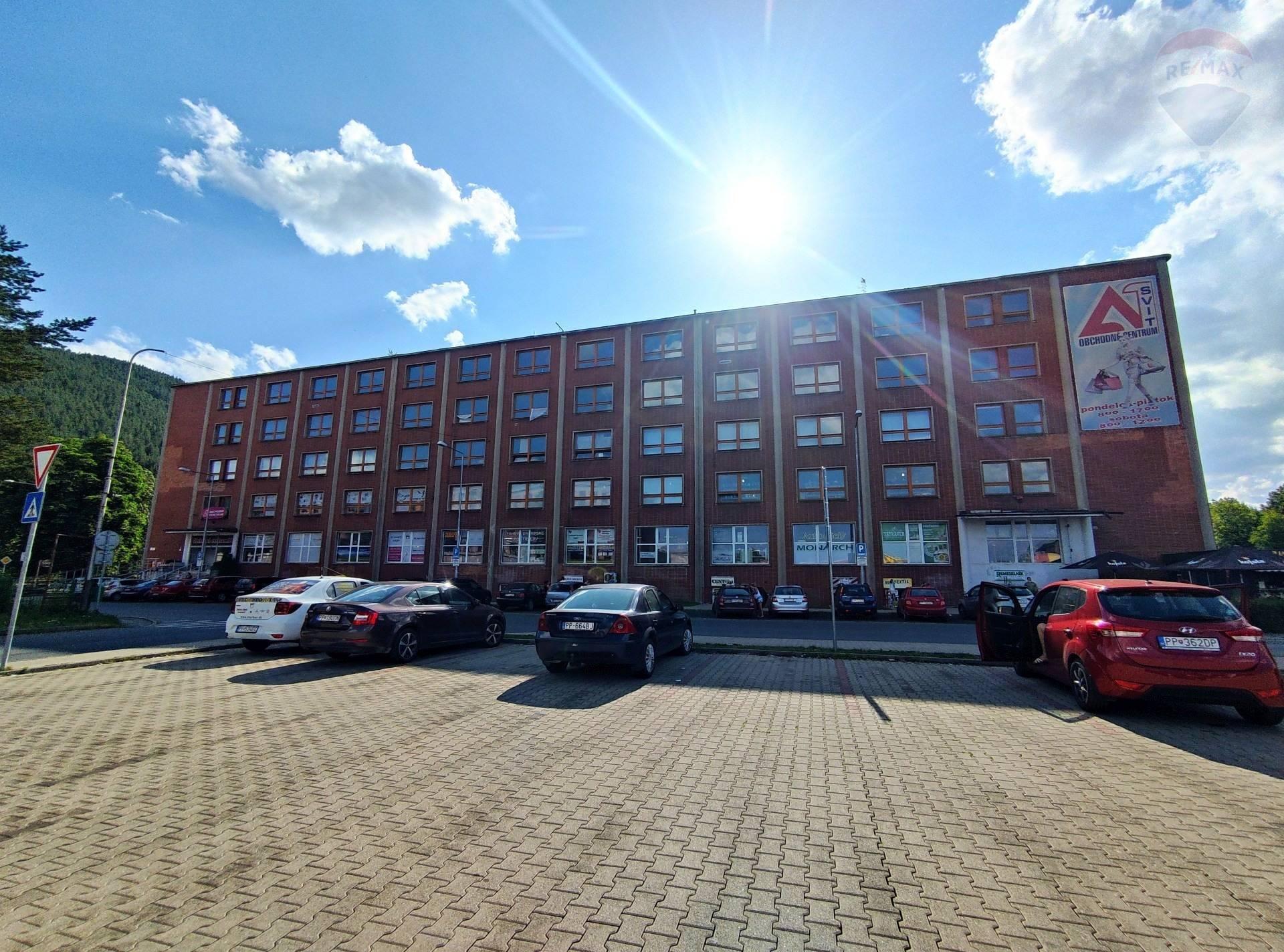 Na predaj 6 podlažná polyfunkčná budova,Svit,okr.Poprad s možnosťou vybudovania 112 bytov