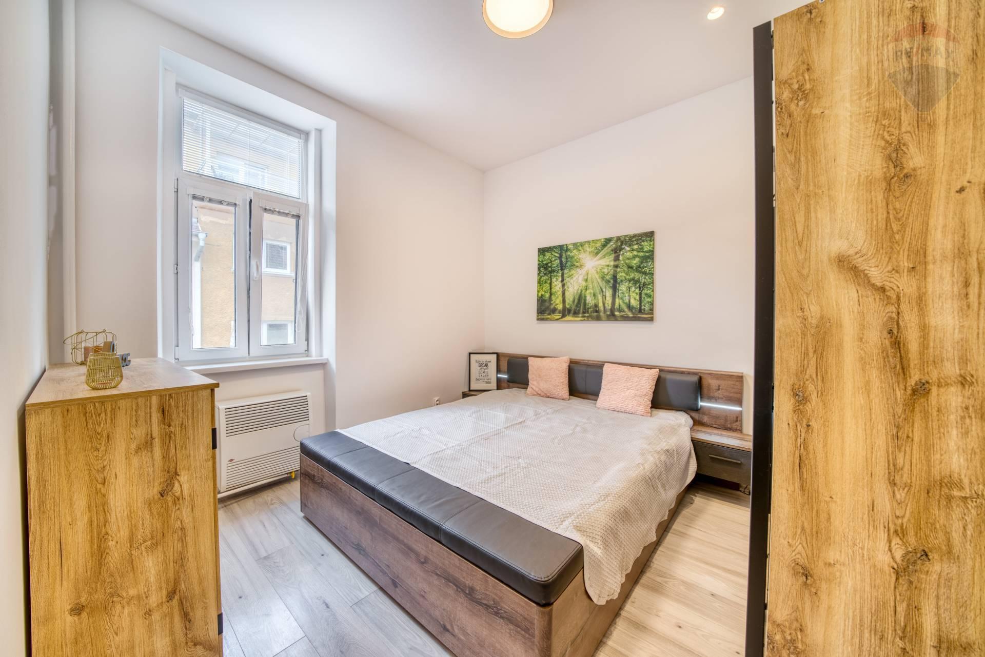 Moderný, kompletne zariadený 2 izbový byt na prenájom, Weberova ulica, Prešov