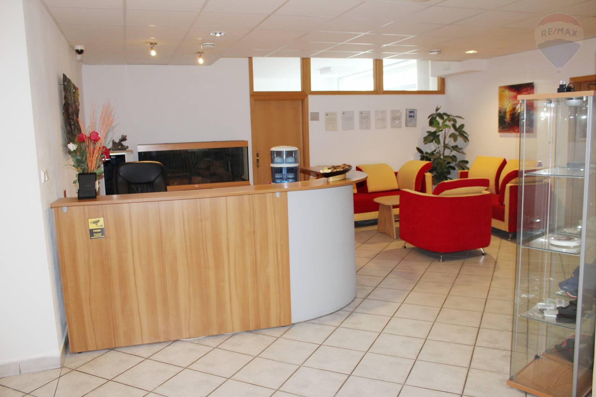 Predaj komerčného priestoru 492 m2, Bratislava - Ružinov -