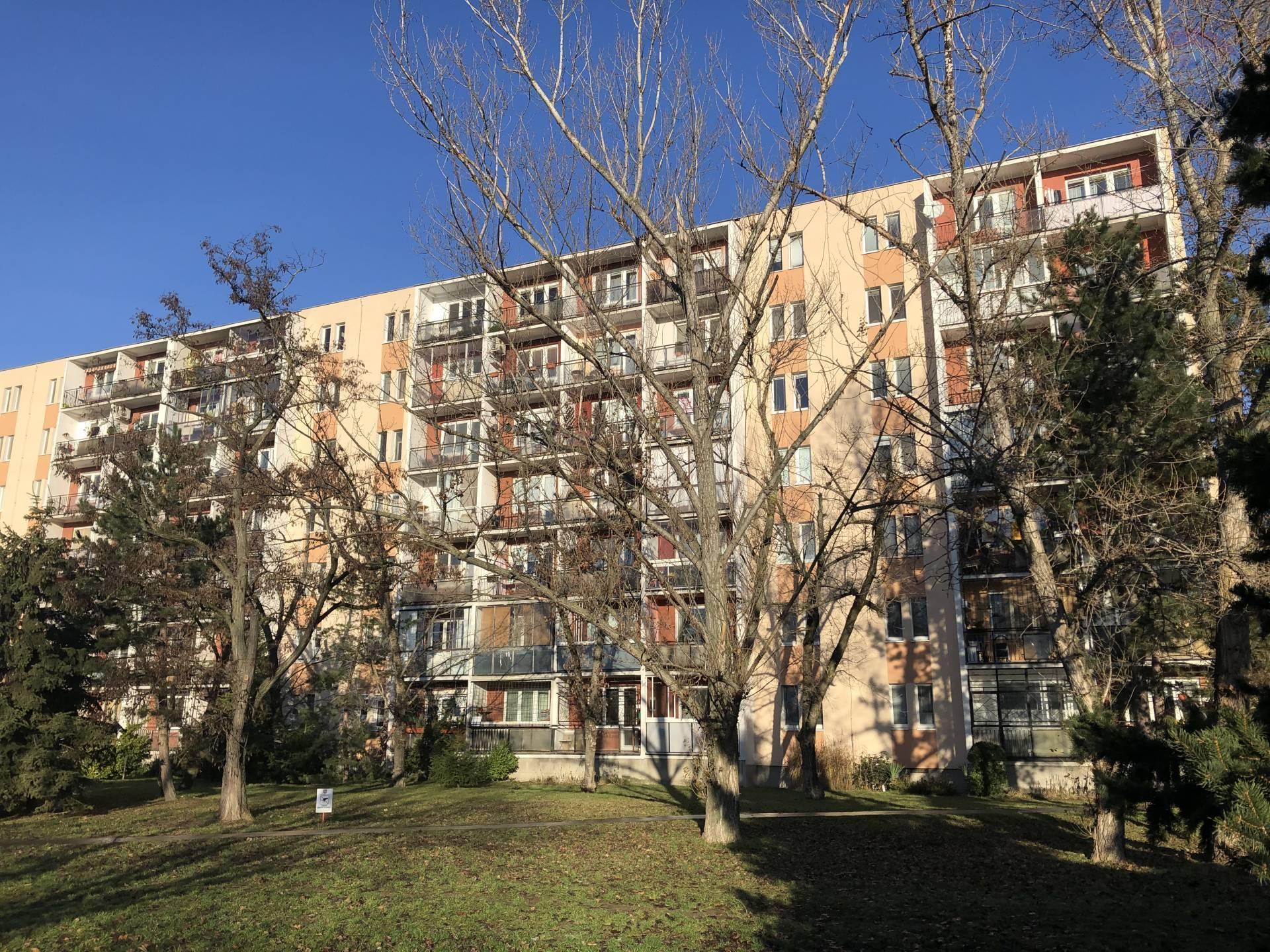 Predaj 4 izb byt, Radarová ulica