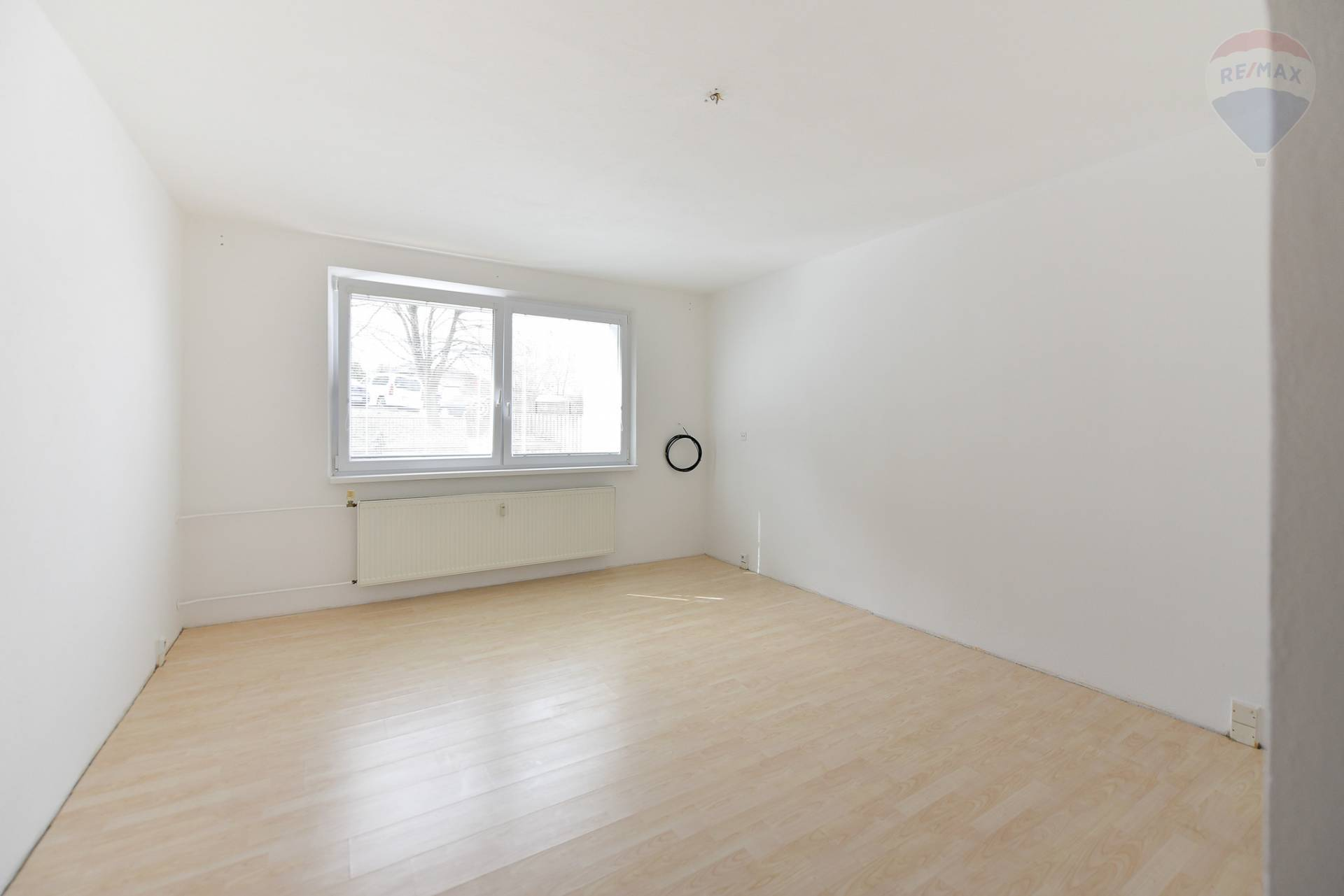 Predaj bytu (3 izbový) 70 m2, Nitra - Predaj bytu 3+1, 70m2, ul. Murániho, Nitra