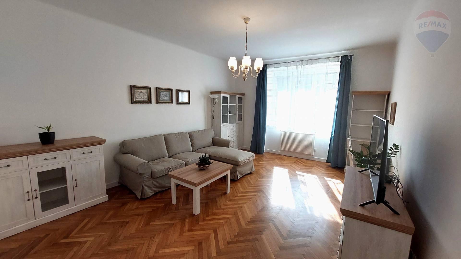 Prenájom 2 izb. priestranný slnečný byt v Starom Meste