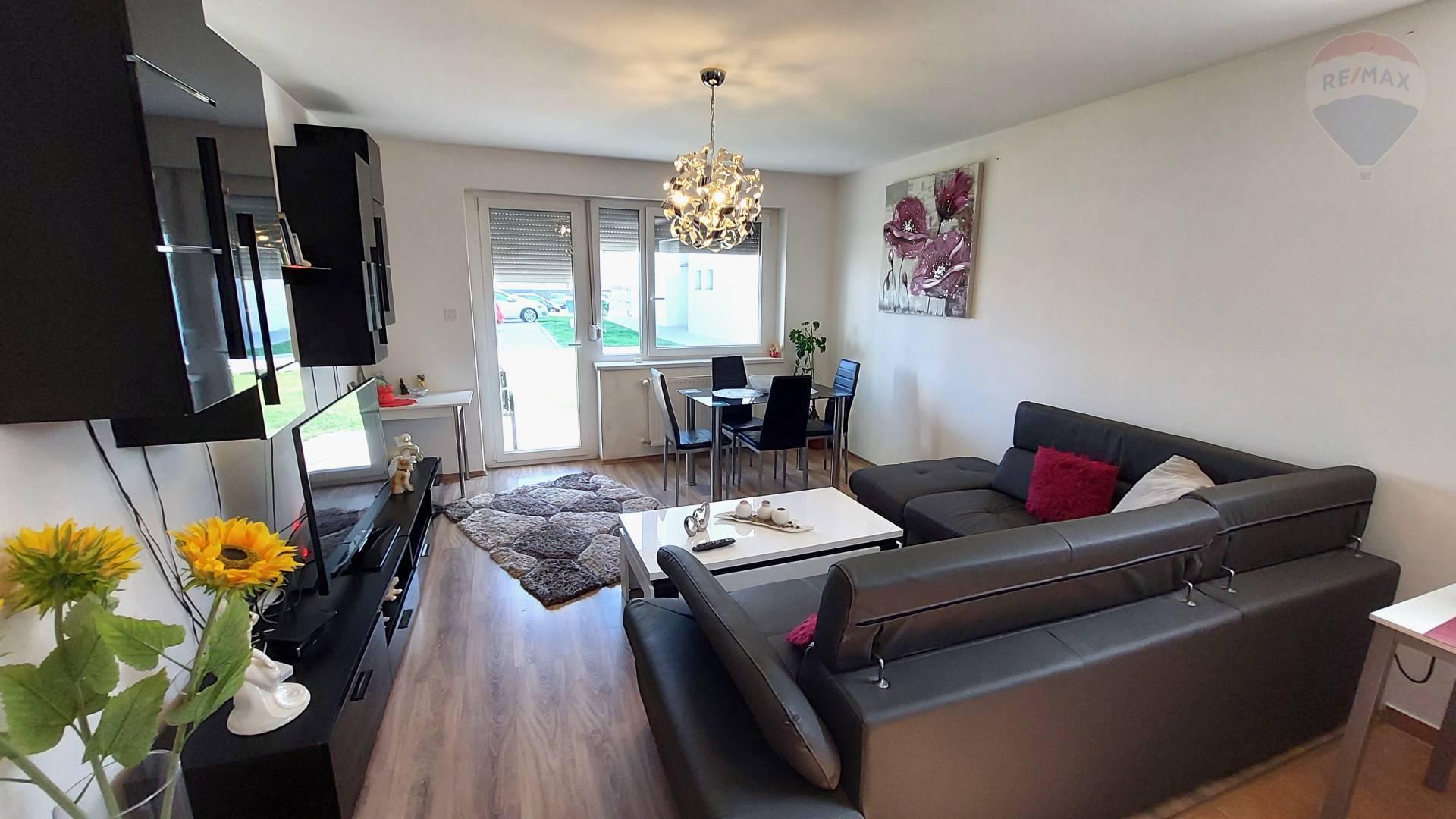 Predaj 3 izbový slnečný byt s predzáhradkou v novostavbe