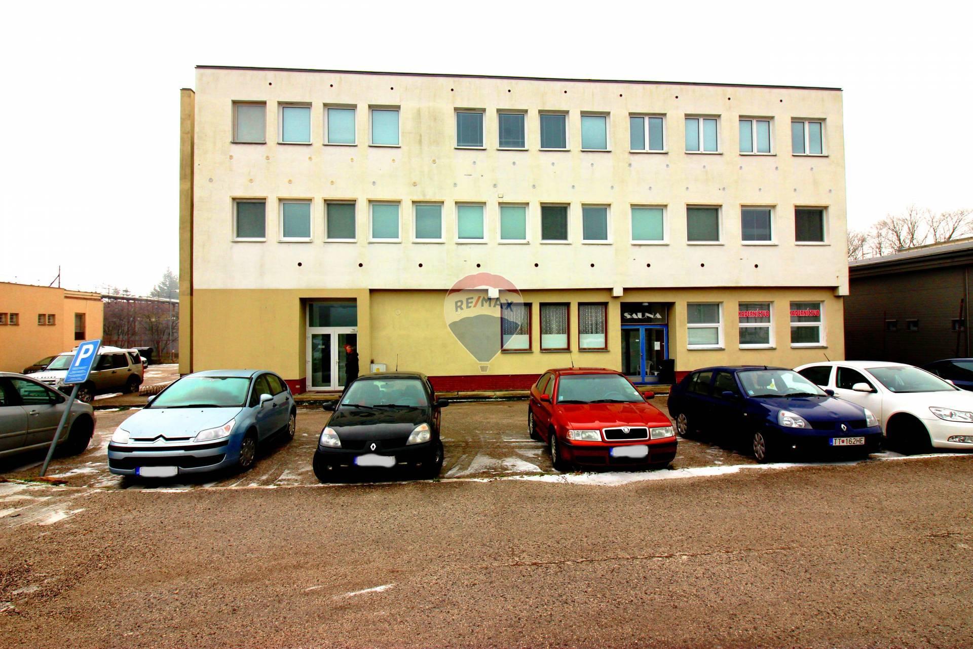 PREDAJ komerčný objekt ubytovňa v Smoleniciach, Trnava
