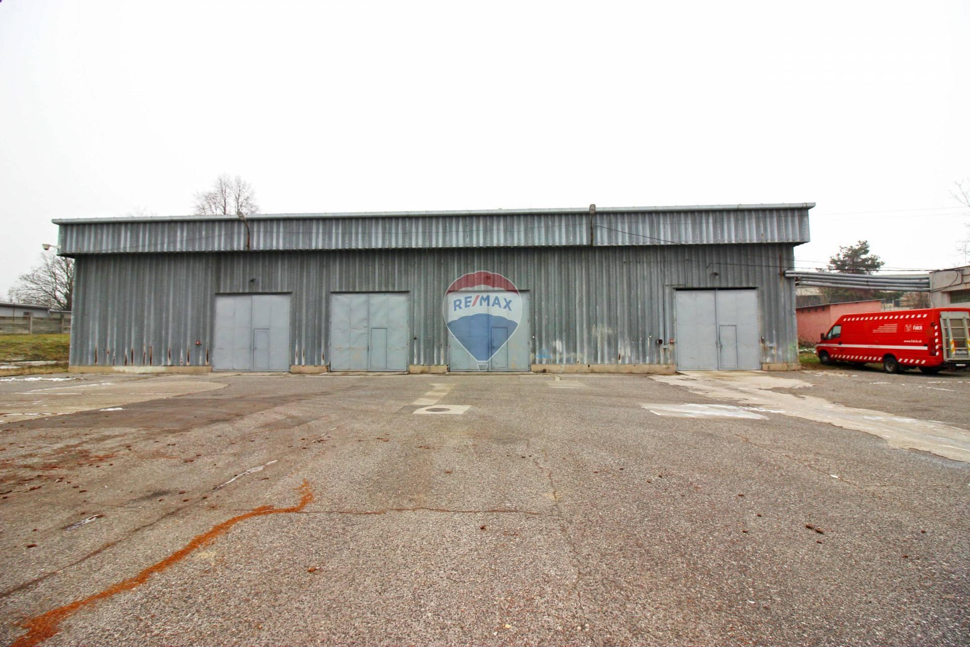 PREDAJ komerčný objekt skladová hala/ autodielňa v Smoleniciach, Trnava