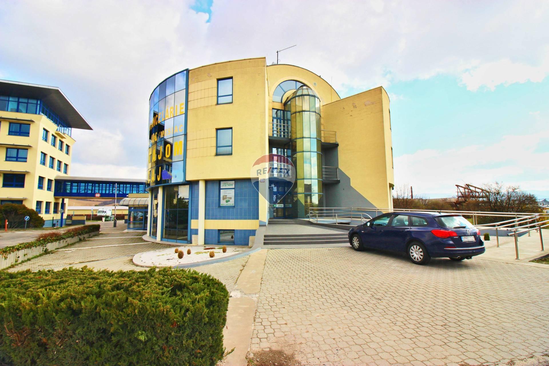 PREDAJ komerčného objektu  1950 m2, Nové Mesto nad Váhom