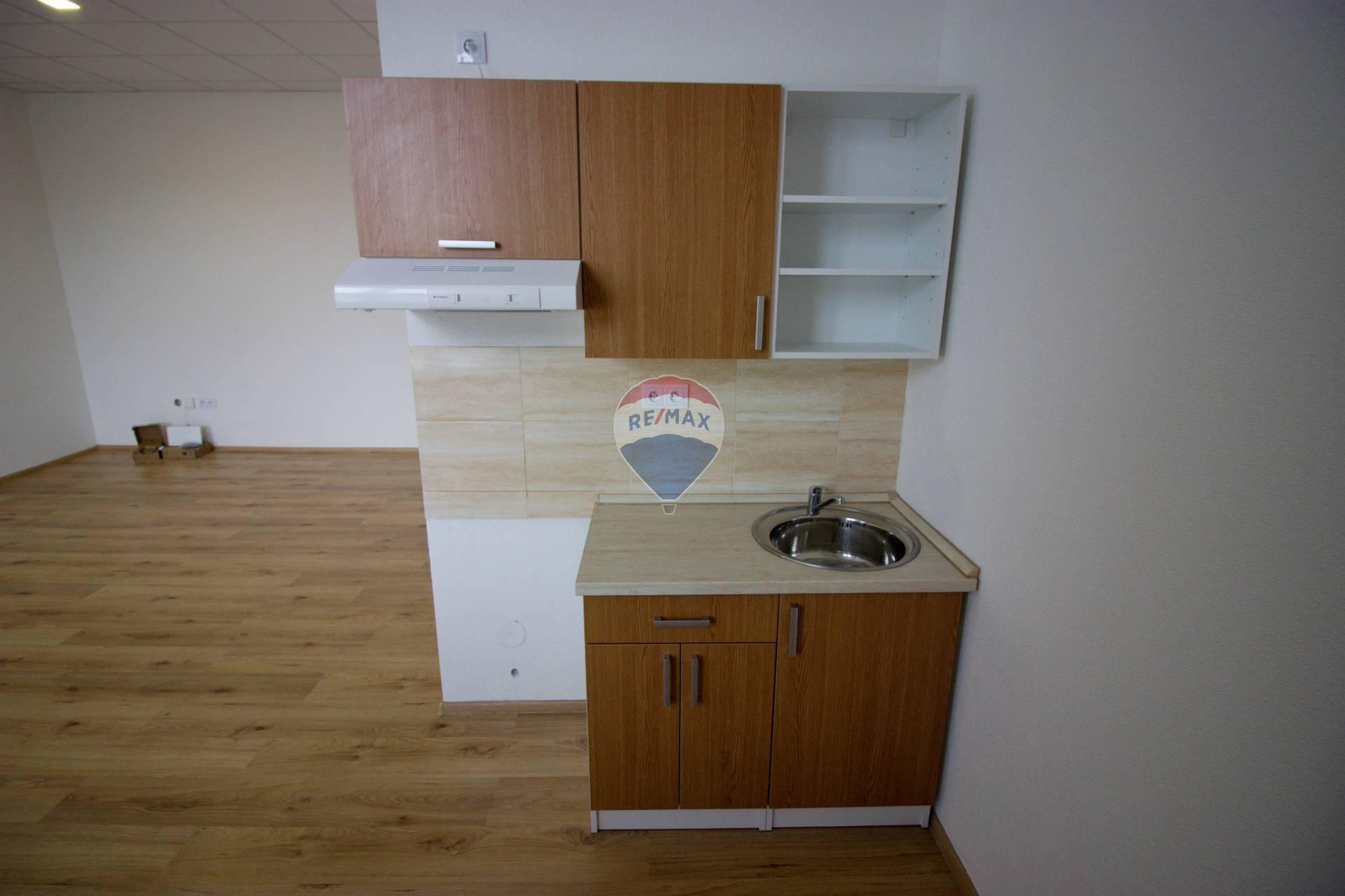 Prenájom 2-izbového bytu č.3.2-rozloha 64,45m2, Nové Mesto nad Váhom