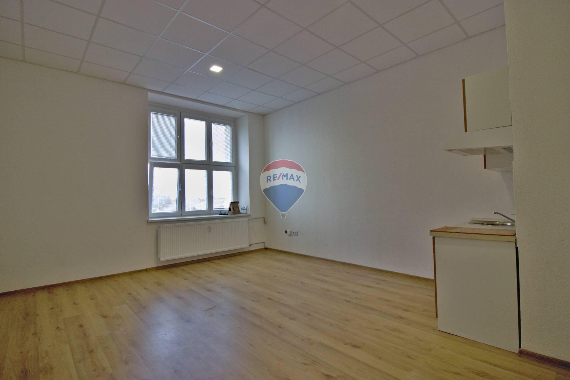 Prenájom 1-izbového bytu č.3.4-rozloha 30.41m2, Nové Mesto nad Váhom