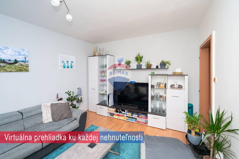 PREDAJ - 3izb.byt - (73m2) - Nové Mesto nad Váhom