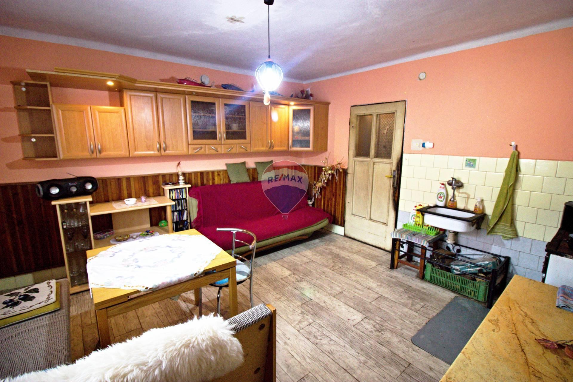 PREDAJ rodinný dom 106 m2, Trenčianske Jastrabie