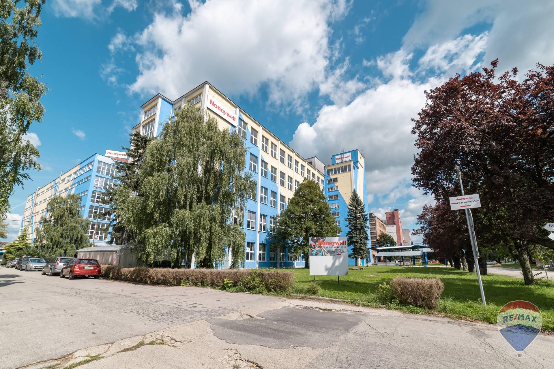 NA PREDAJ 5 poschodová budova pre výrobu/sklad, Partizánske, Nitrianska ul., 8788m2