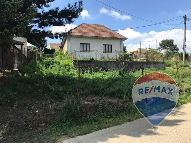 RE/MAX exkluzívne ponúka: Rodinný dom v Mníchovej Lehote