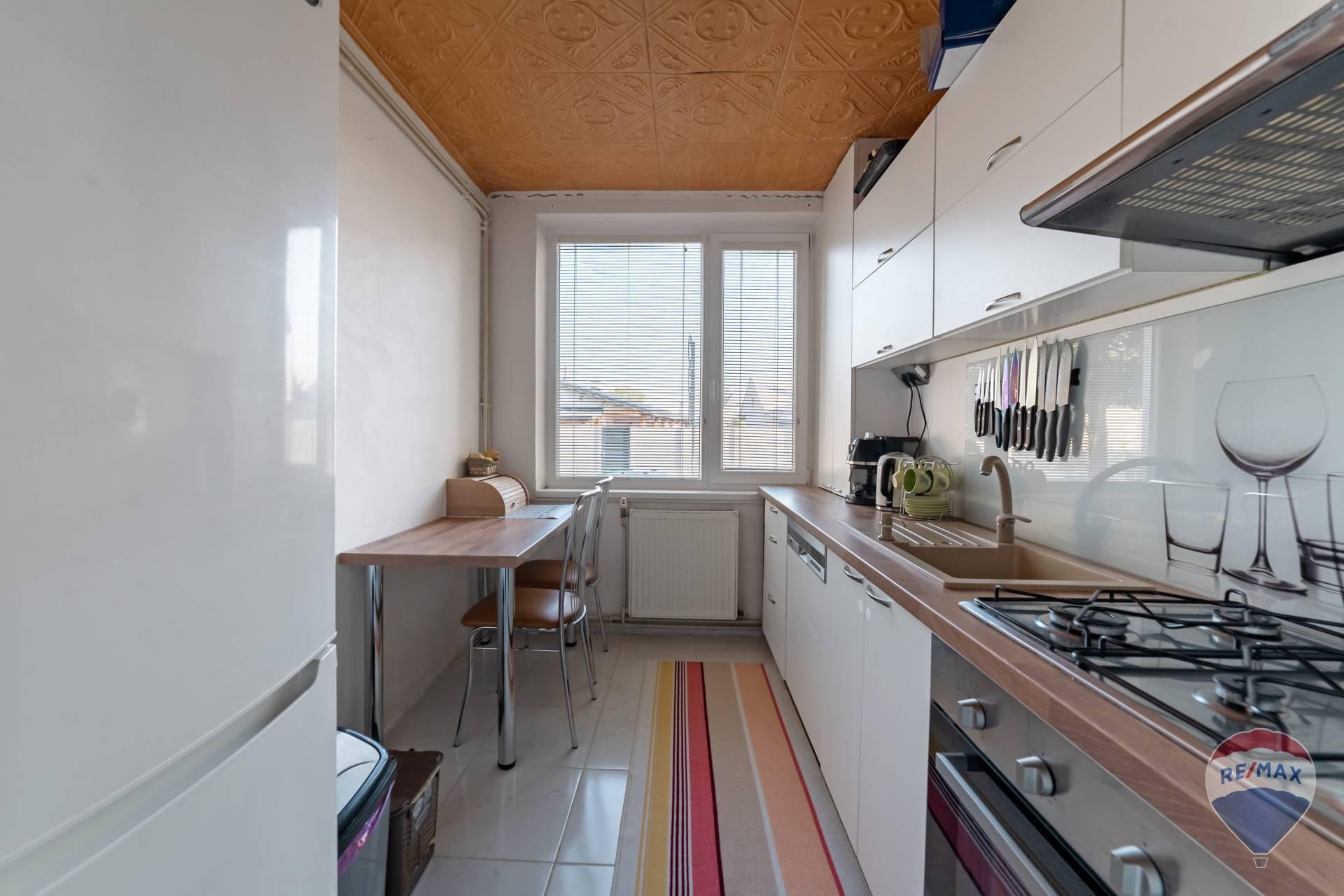 Predaj bytu (3 izbový) 64 m2, Trenčianska Teplá -