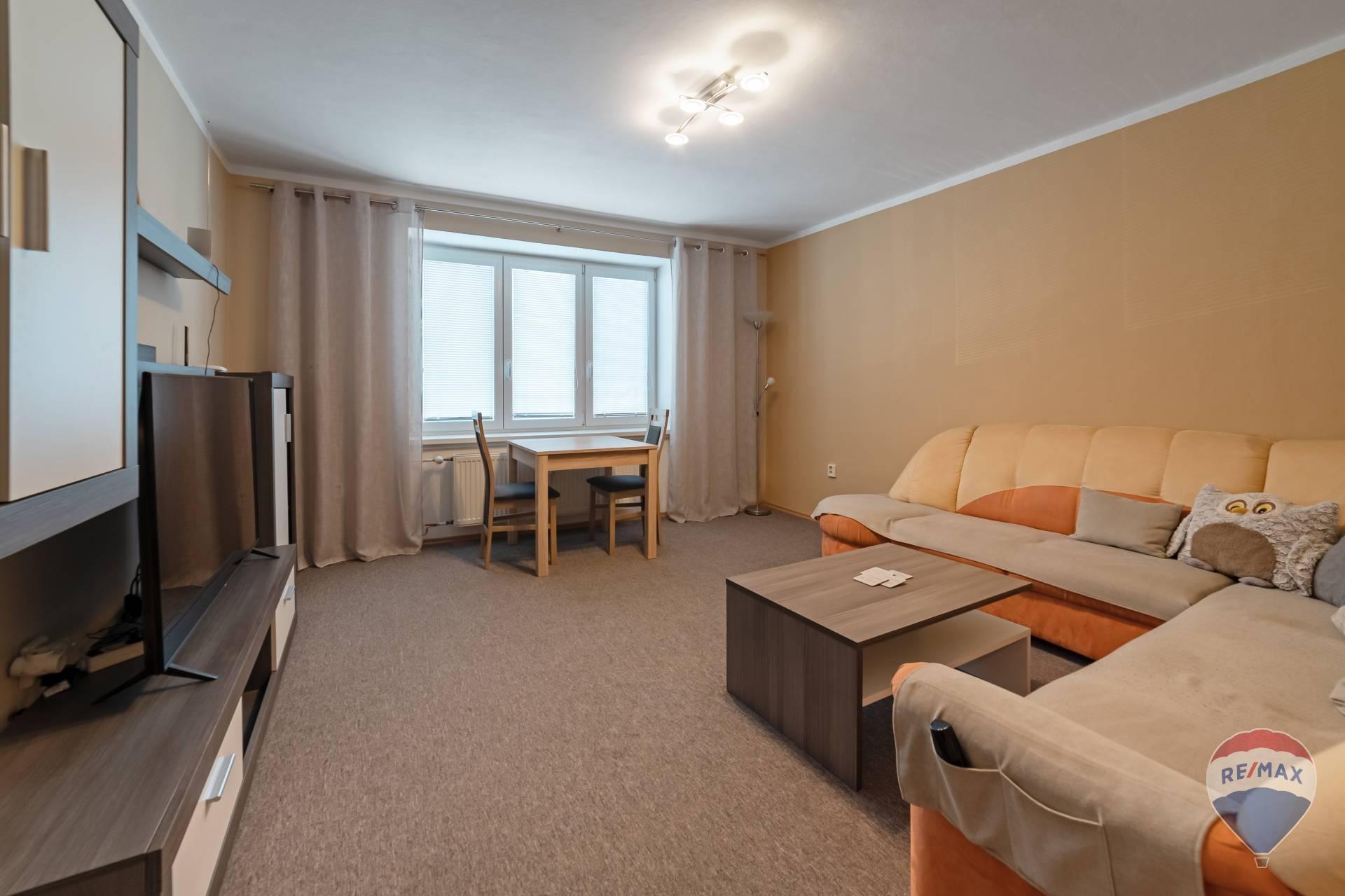 na prenájom 2 izbový byt Nová Dubnica