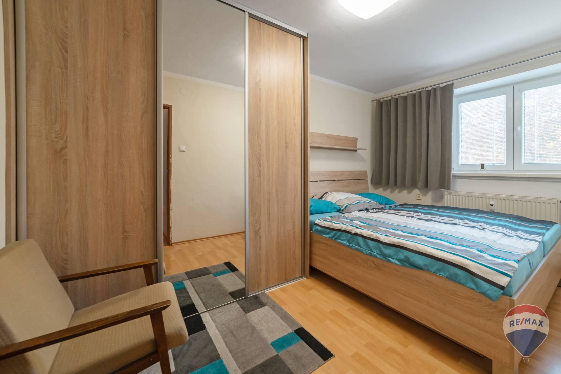 Prenájom bytu (2 izbový) 48 m2, Nová Dubnica -